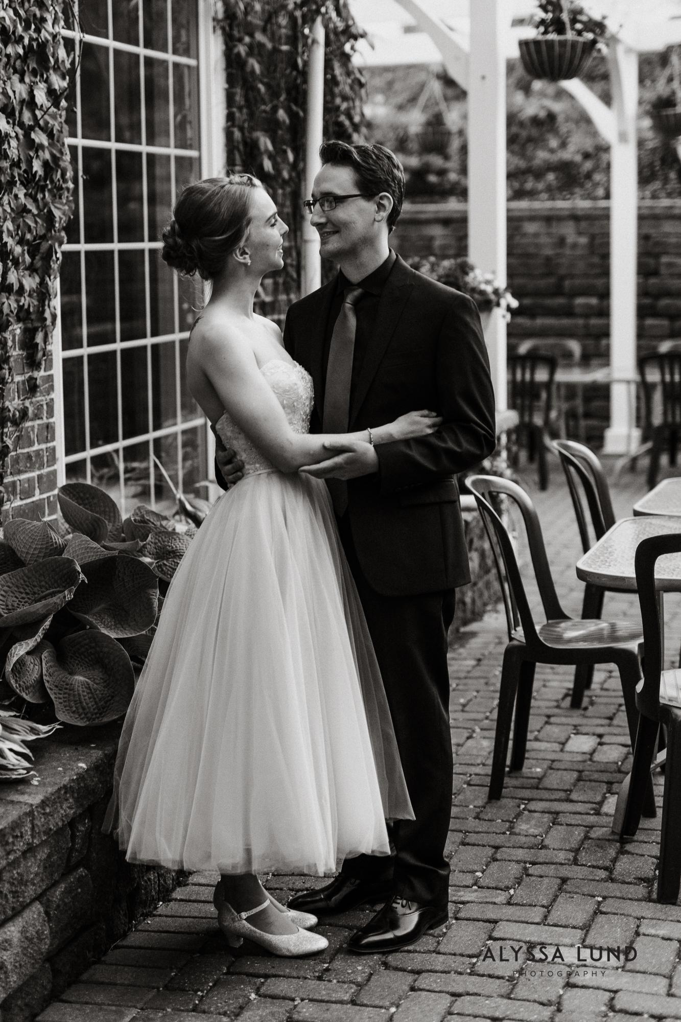 Lowell Inn Stillwater Wedding Photography-44.jpg
