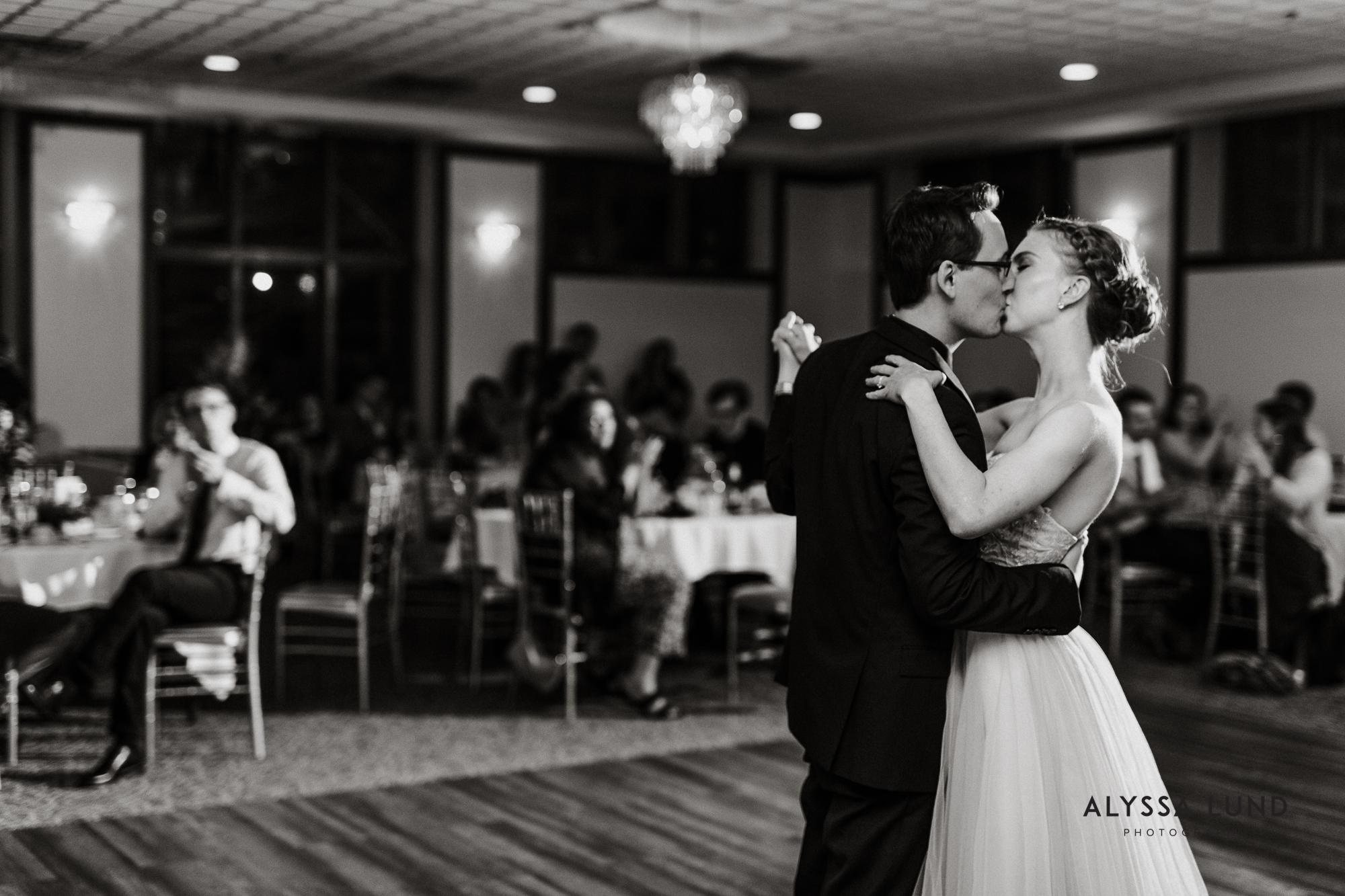 Lowell Inn Stillwater Wedding Photography-47.jpg