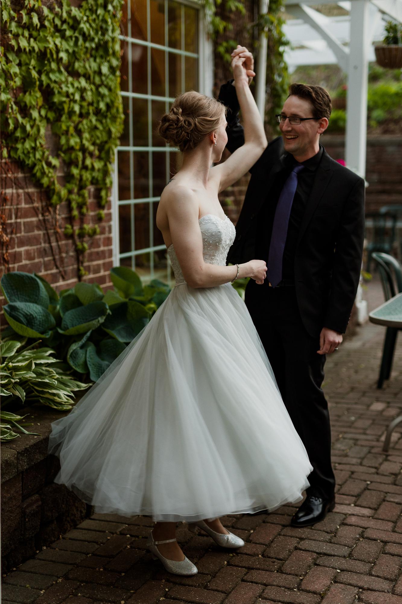 Lowell Inn Stillwater Wedding Photography-45.jpg