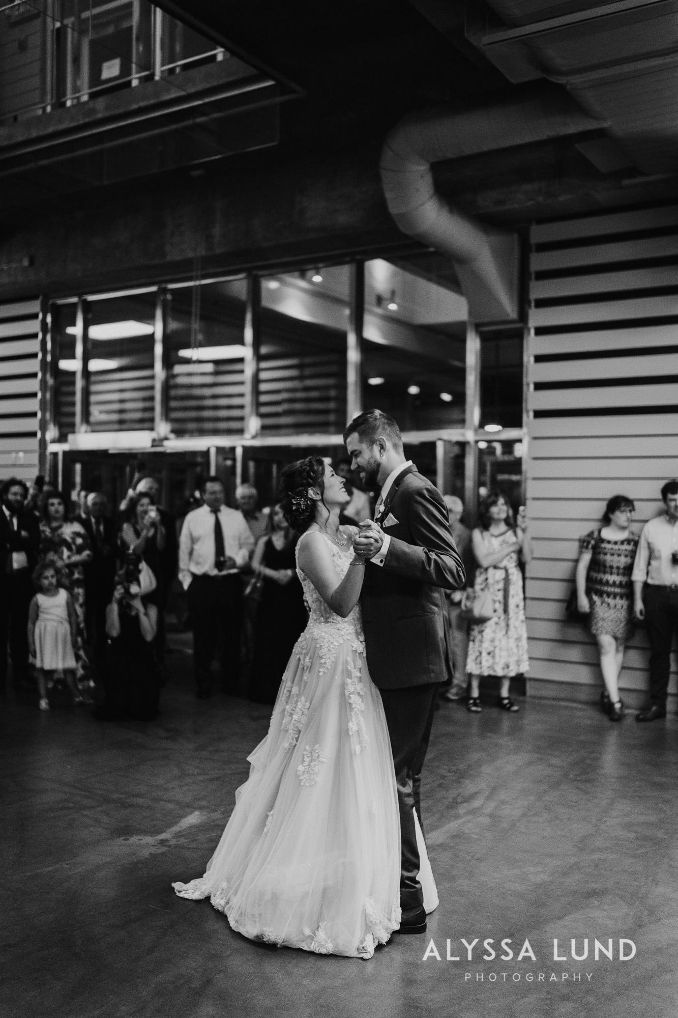 St. Paul Como Conservatory Wedding Photography-58.jpg