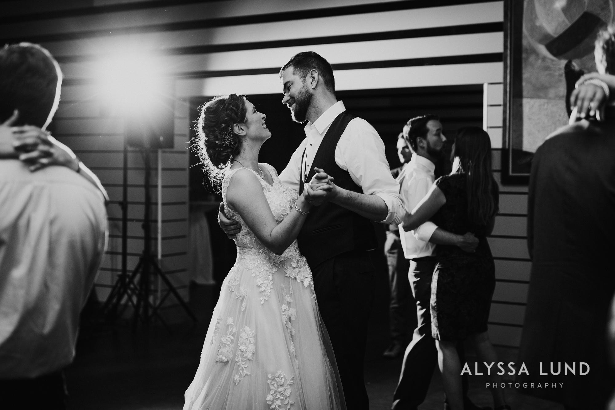 St. Paul Como Conservatory Wedding Photography-64.jpg