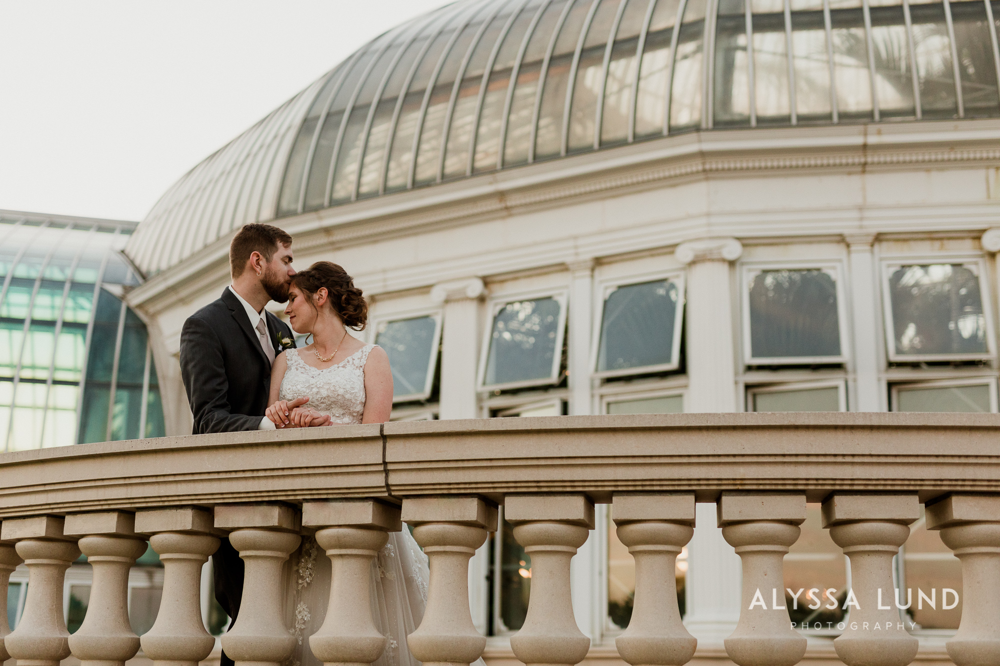 St. Paul Como Conservatory Wedding Photography-51.jpg