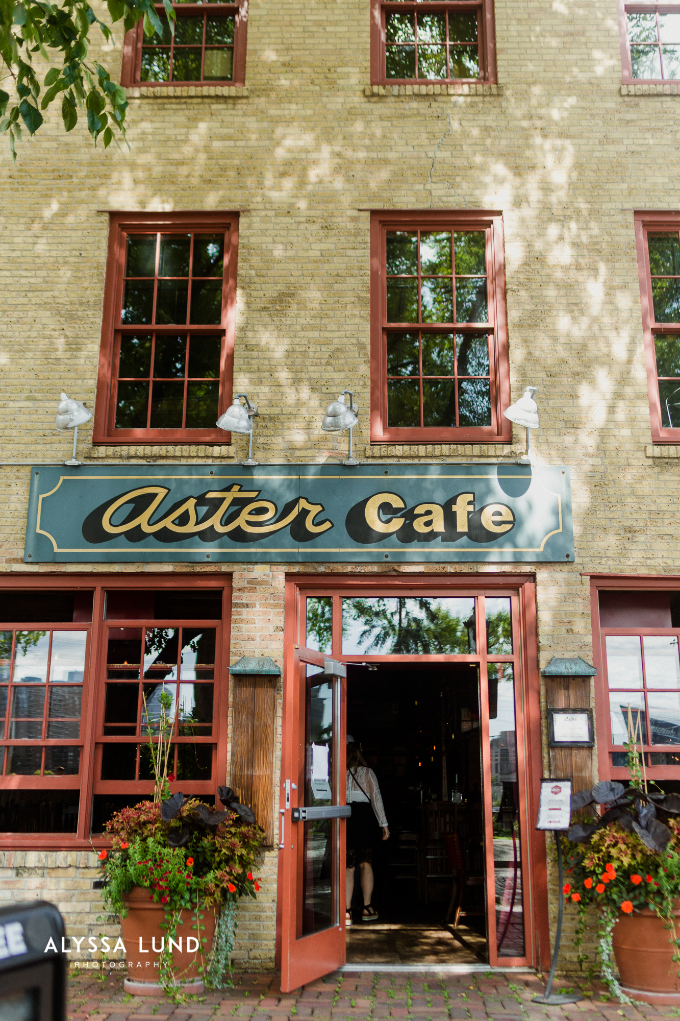 Minneapolis Wedding Photography at Aster Cafe-6.jpg