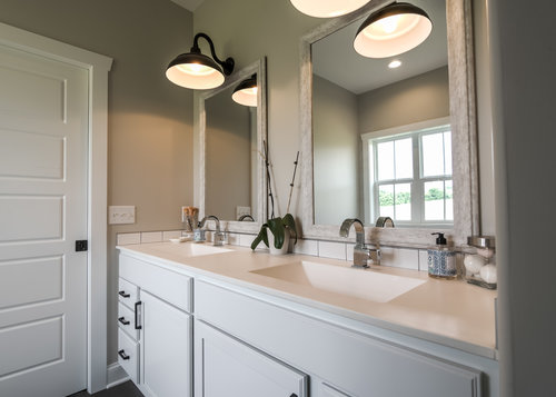 PH_design_and_construction_farmhouse_bathroom