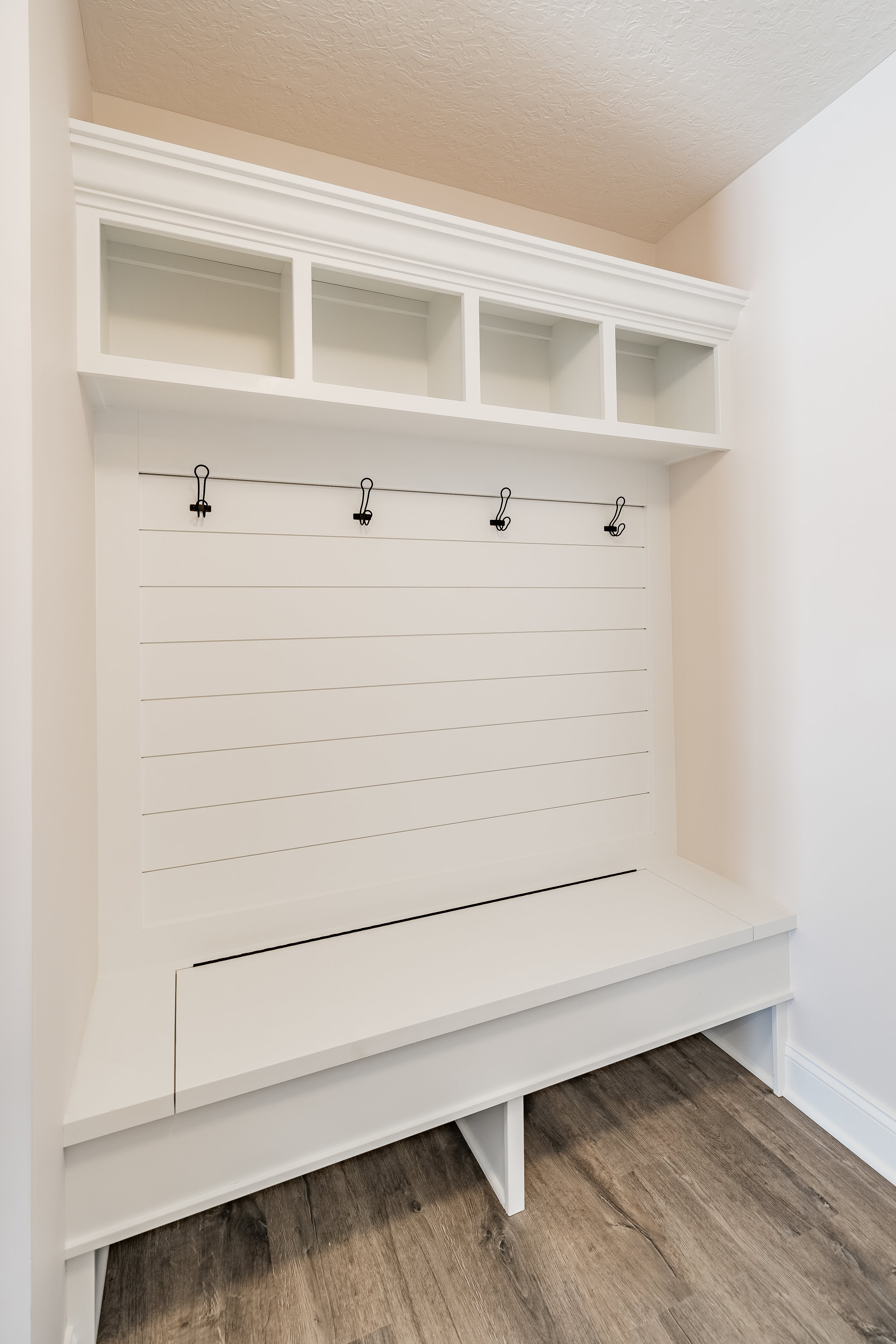 PH_Design_and_construction_aultmore_mudroom