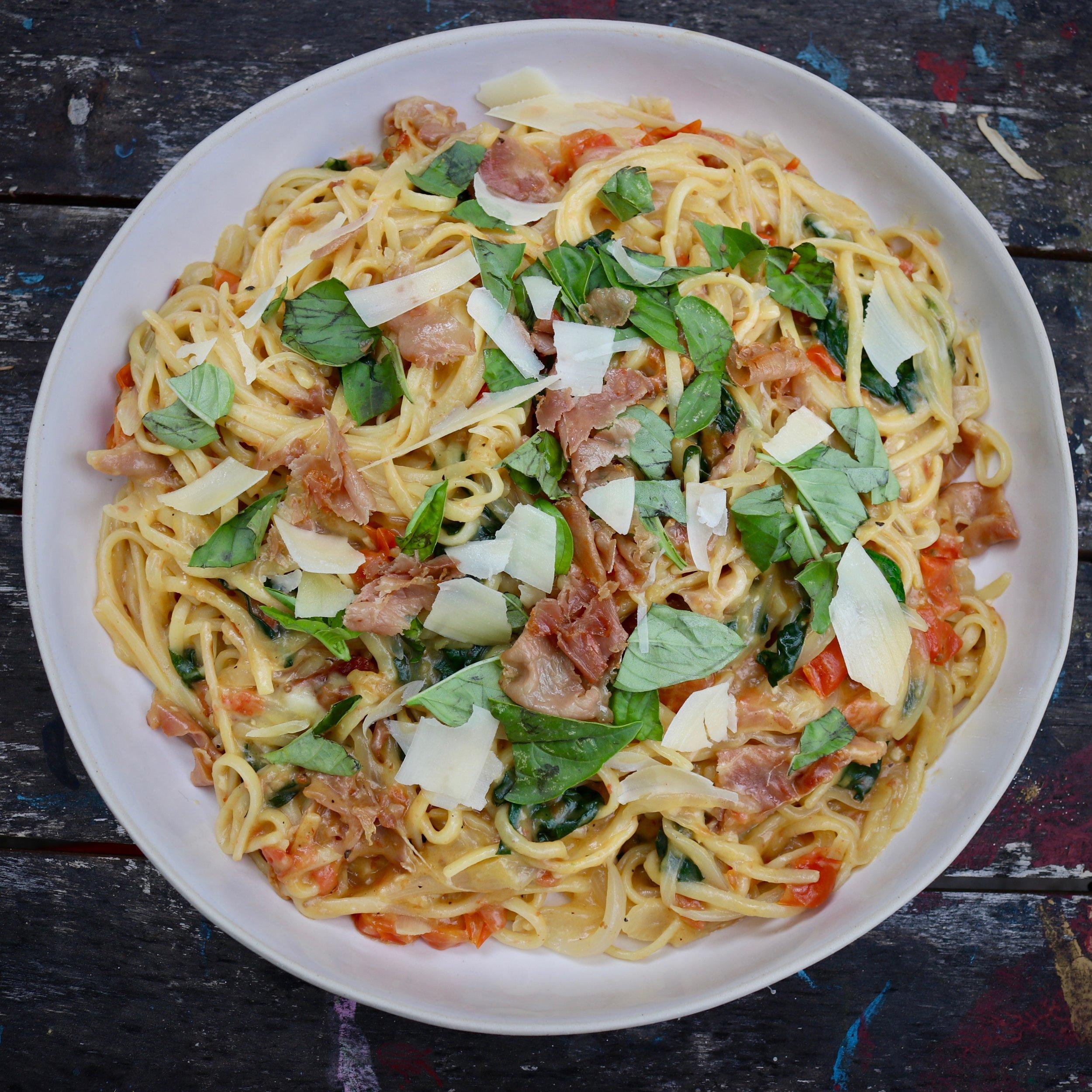 One-Pot Spinach and Prosciutto Pasta