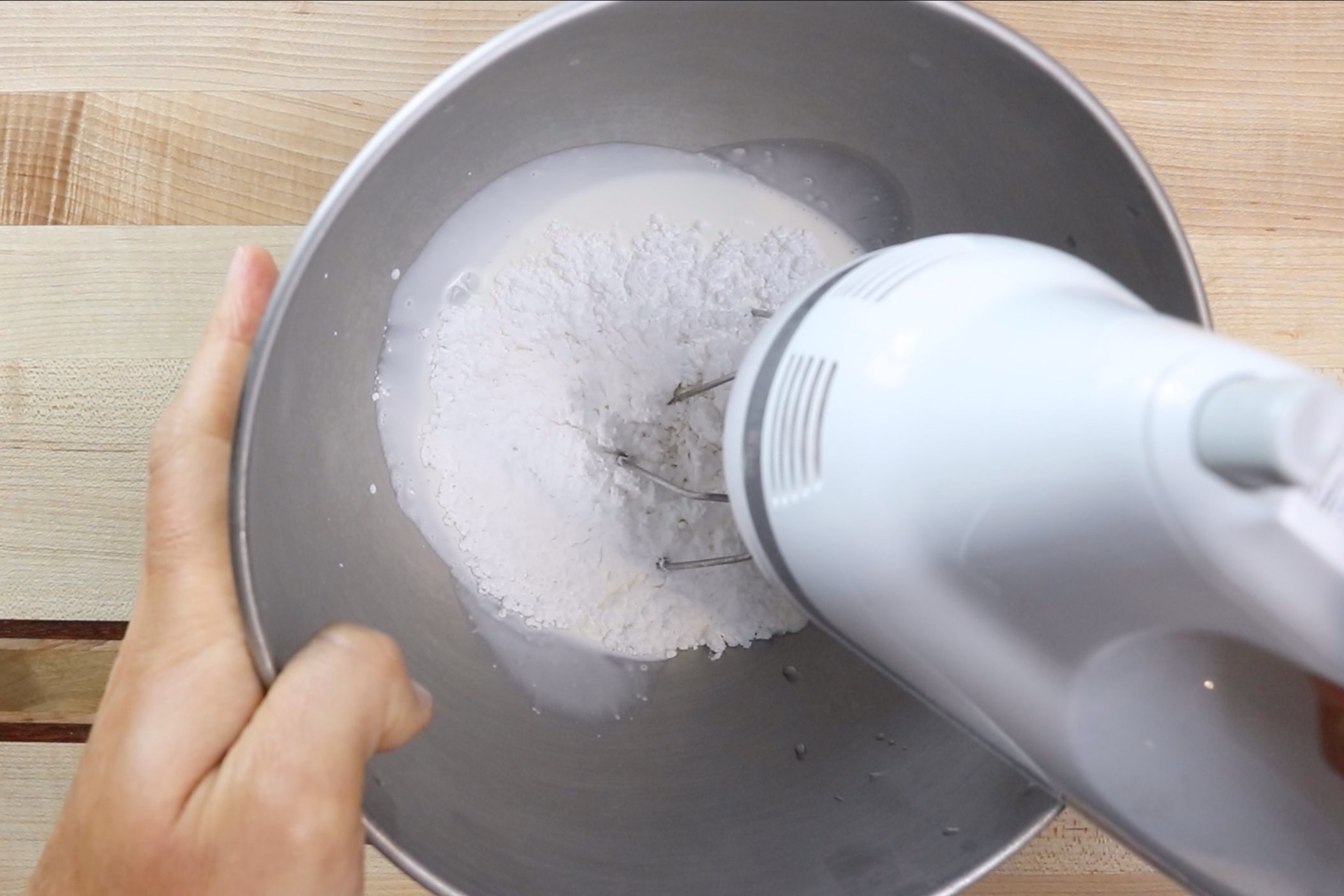 5. Make the whipped cream. Place mixer bowl in freezer for at least 20 minutes to chill. Pour heavy whipping, powdered sugar and vanilla into the cold bowl. -