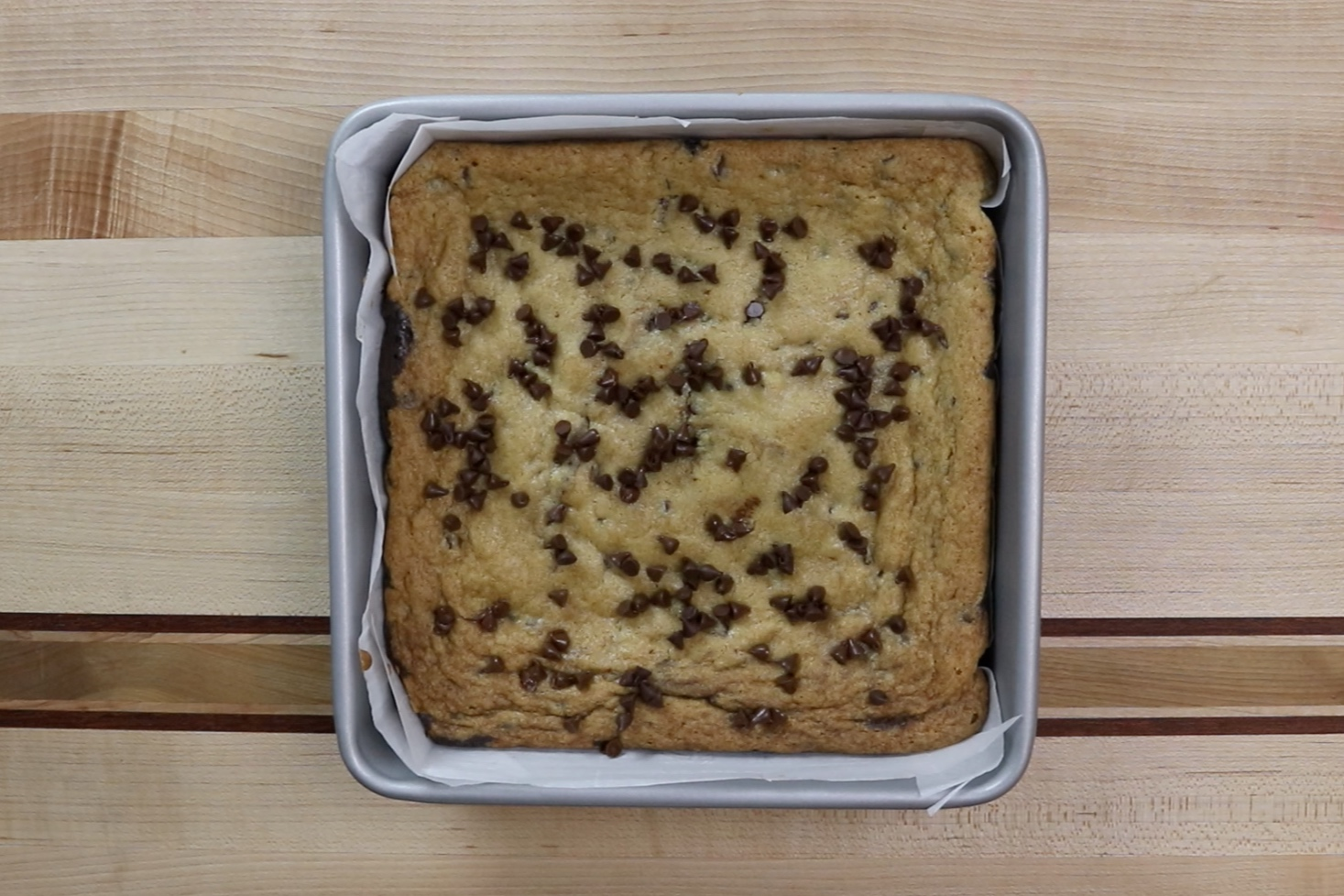 16. Allow the bars to cool completely before cutting. Let cool in refrigerator or freezer for best results. -