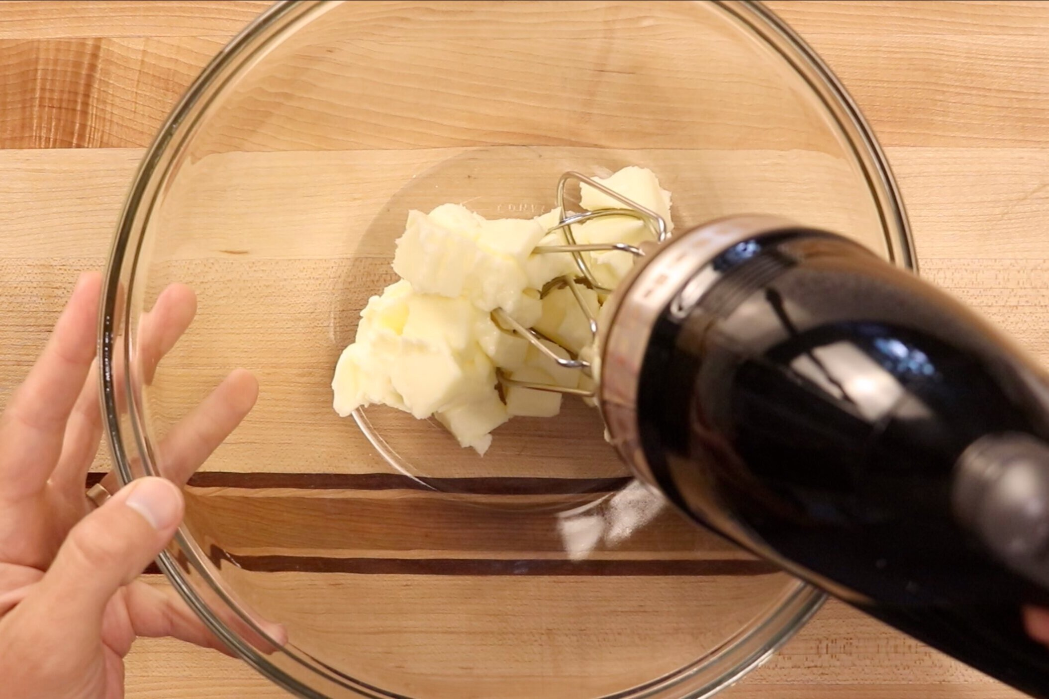 2. In a large bowl or the bowl of a stand mixer, beat butter until smooth and creamy. -