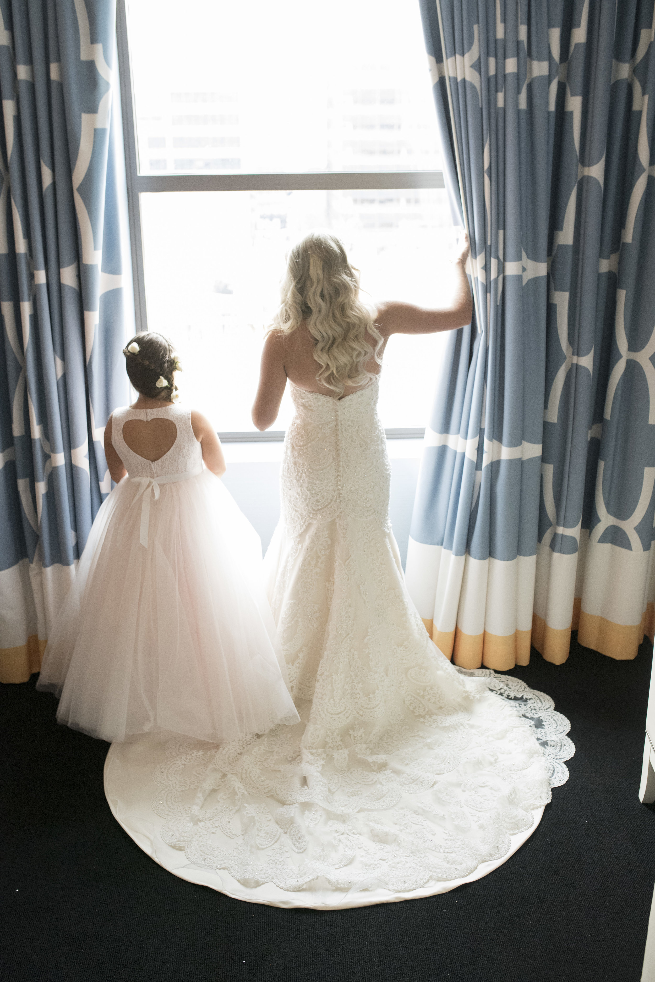 curtis-atrium-wedding-philadelphia-christine-charles-07.jpg