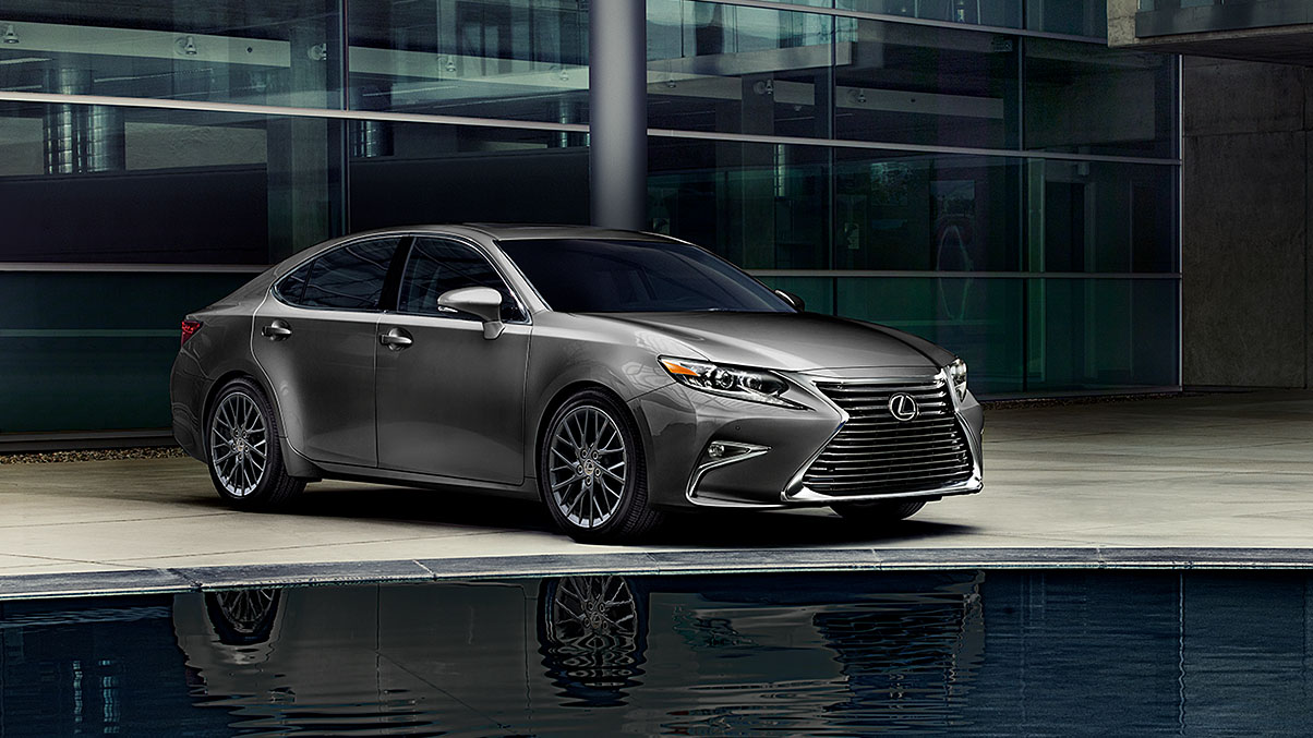 2019 Lexus ES. Photo courtesy of Lexus.