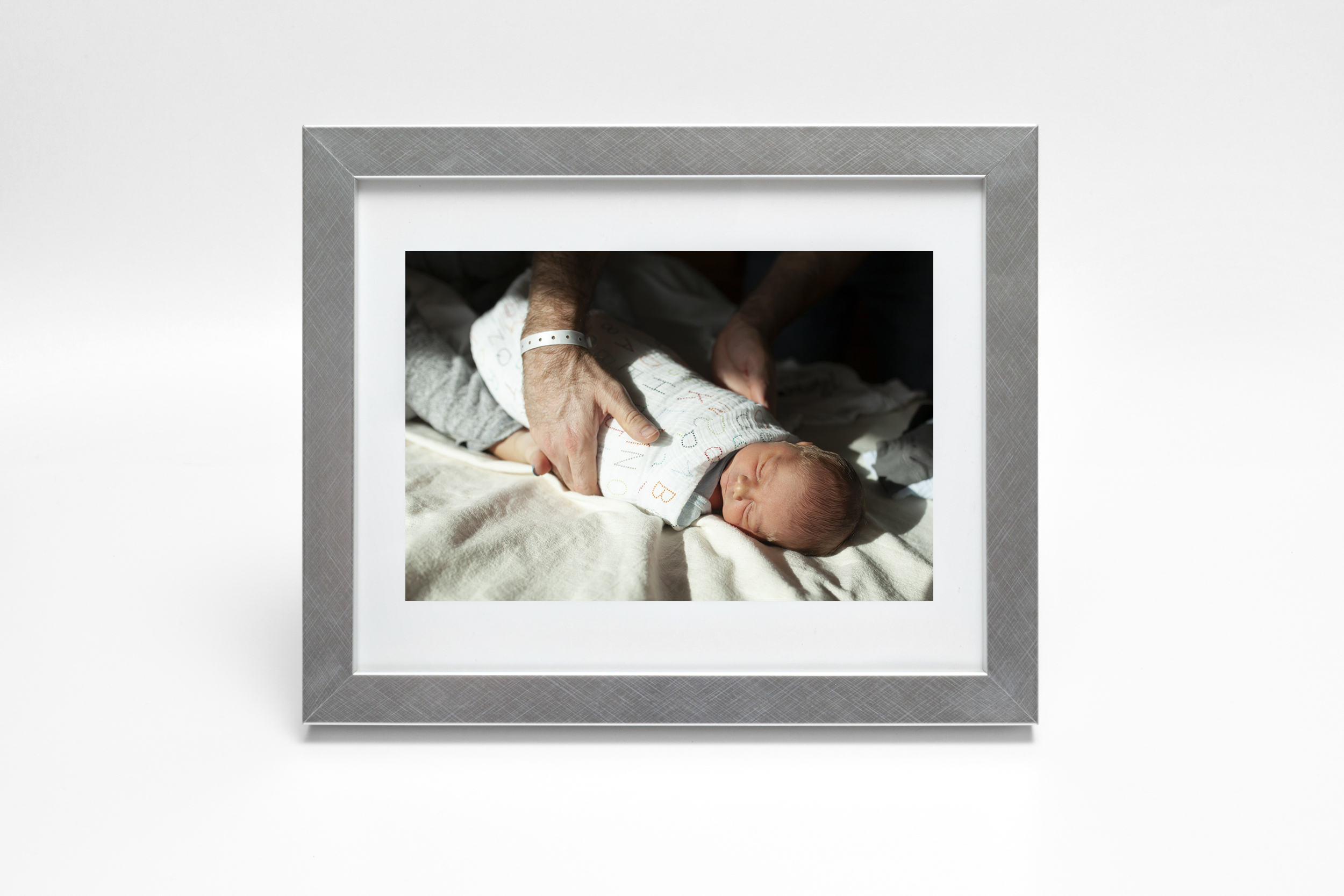 newborn-photography-first-48-silver-frame