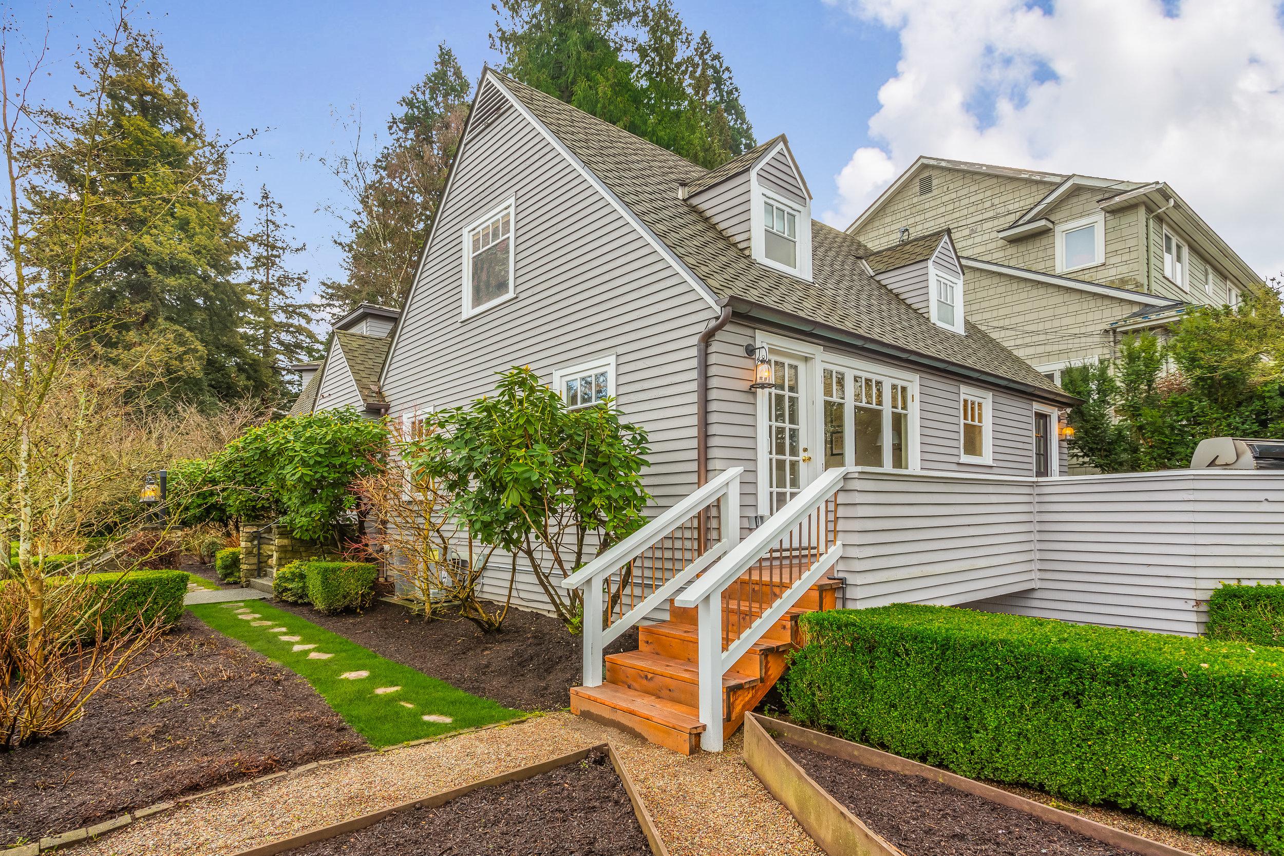 2605 E Lynn Street Seattle (31).jpg