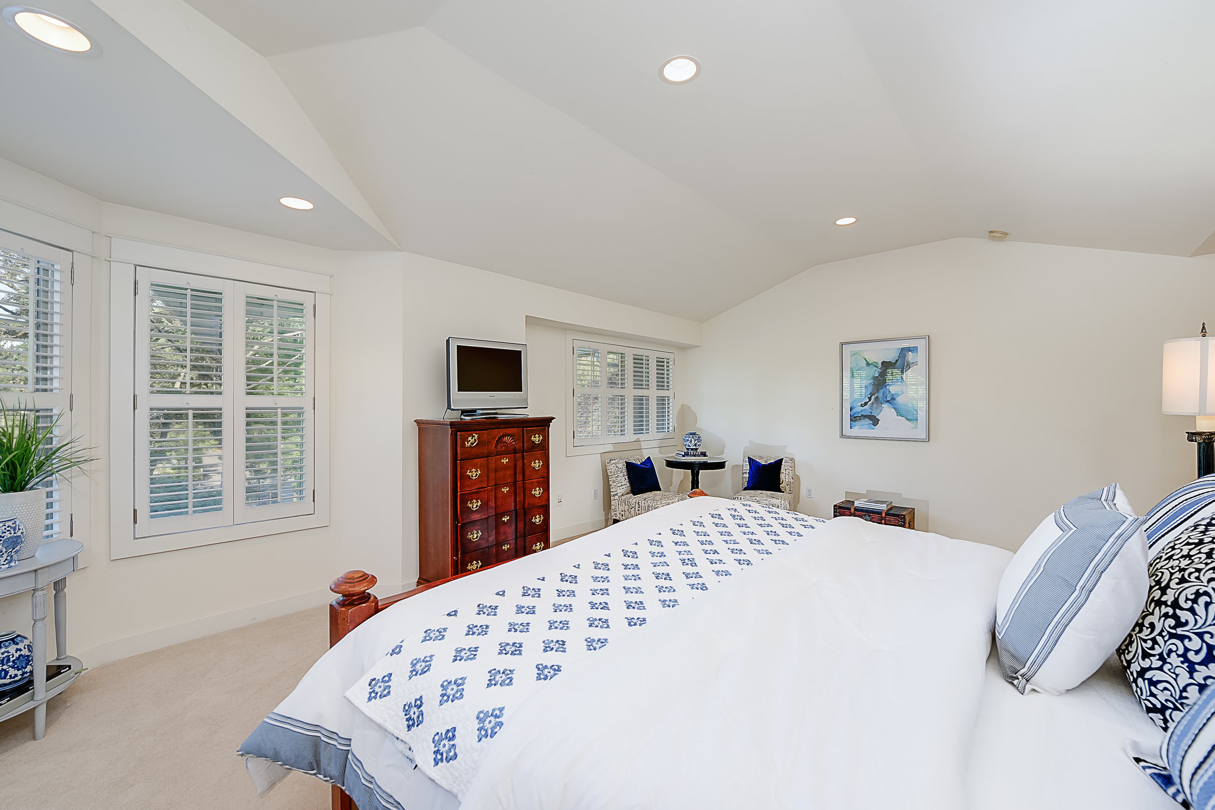 Bridle Lodge Manor - Nancy Klinck (46).jpg
