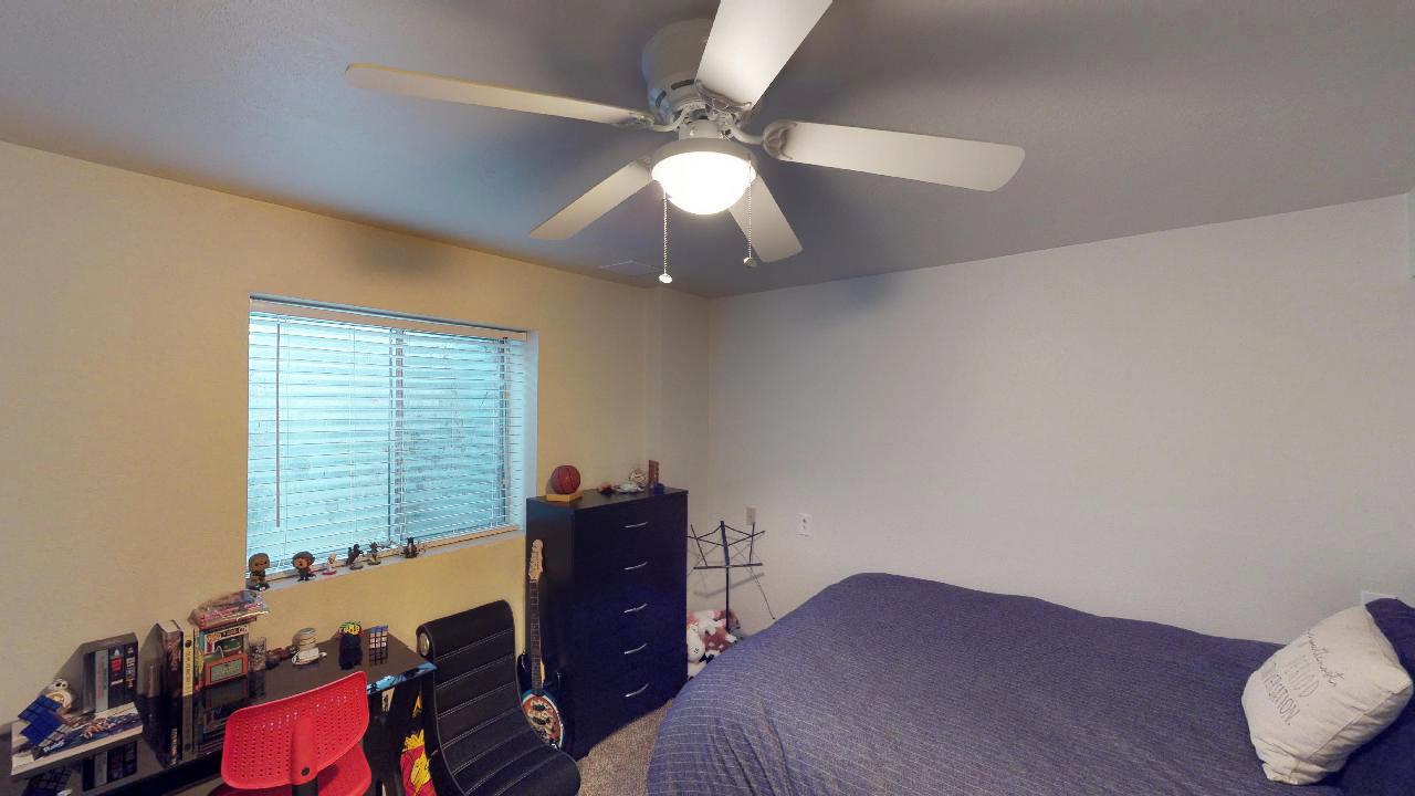 6th bedroom 2.jpg