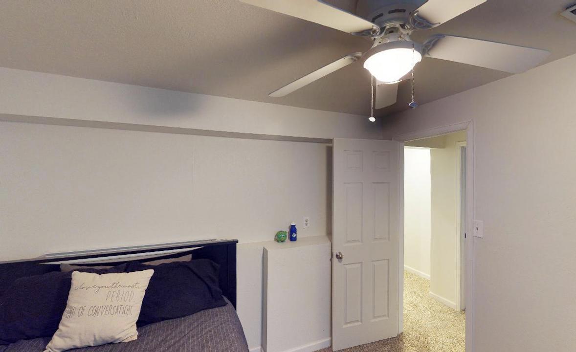 6th bedroom.jpg