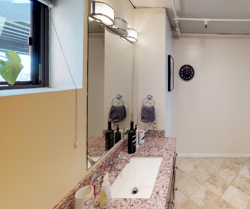 Bathroom 1.jpg