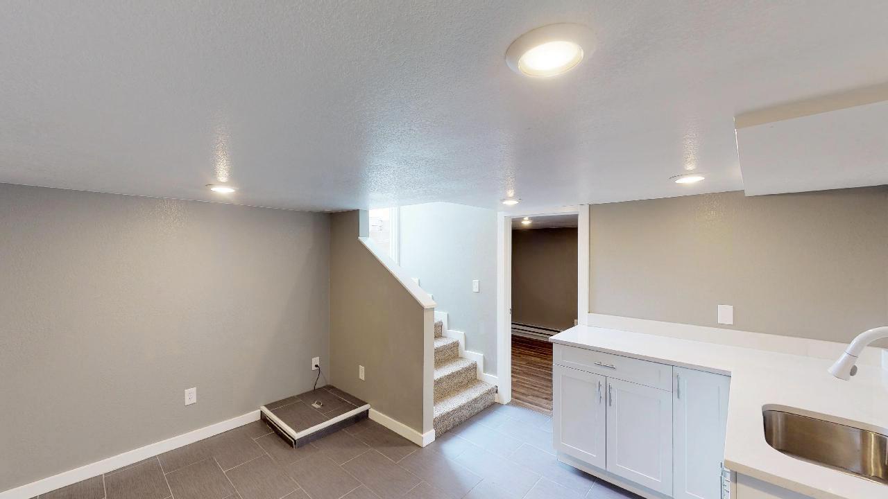Basement Living Room 2.jpg