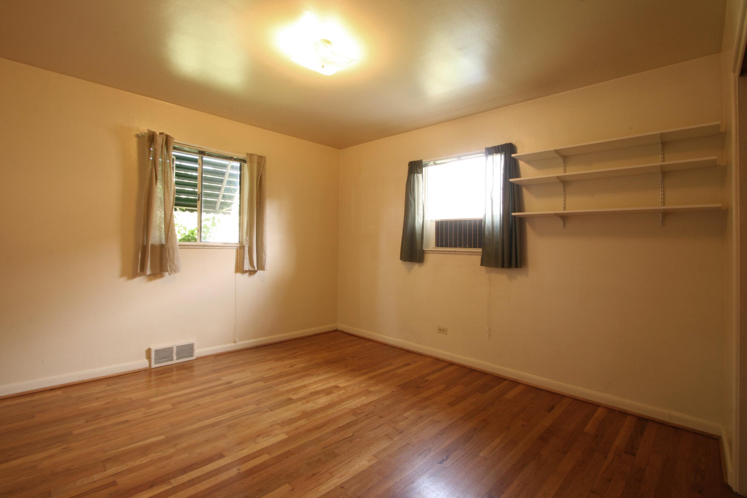 2nd Bedroom 4.jpg