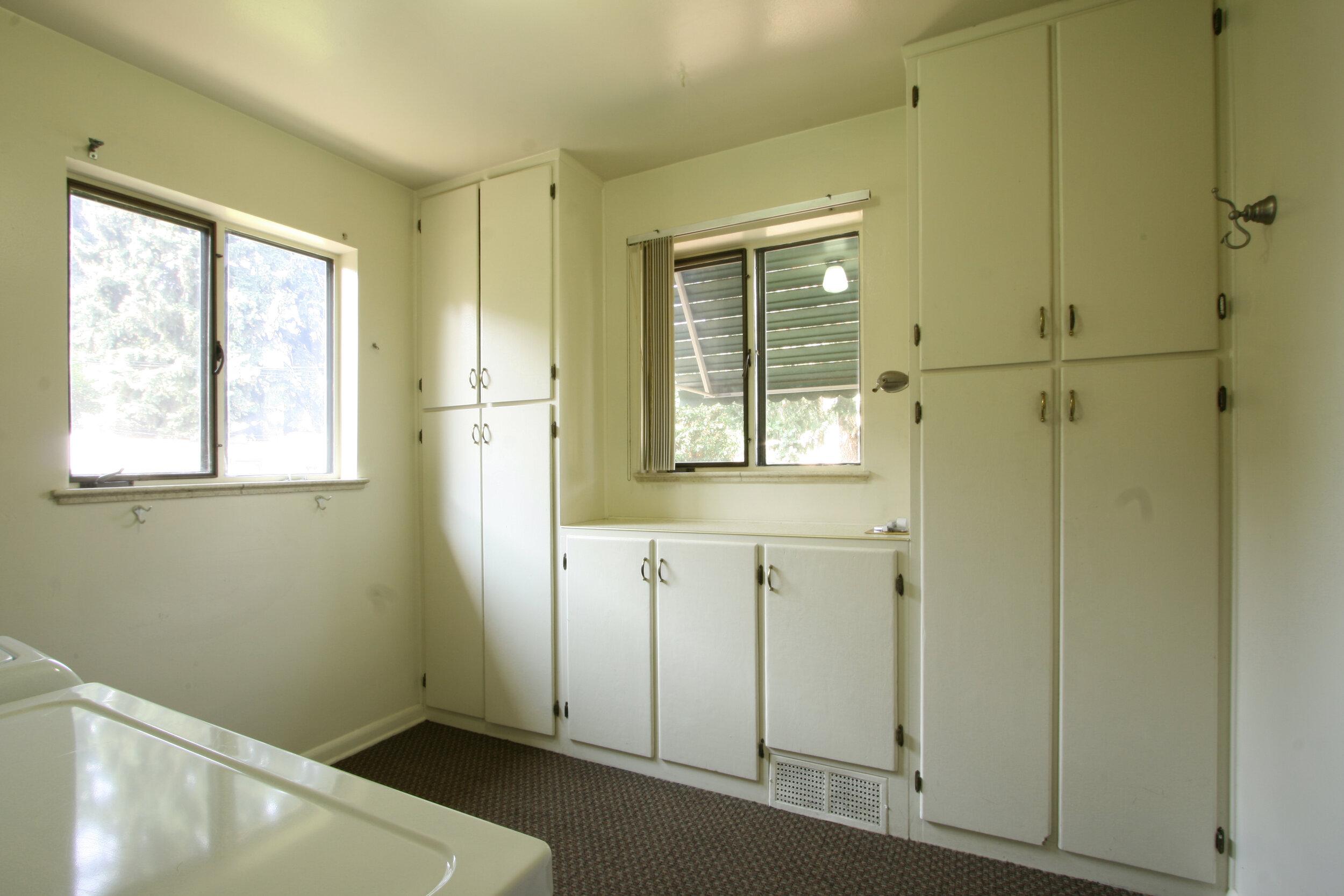 Laundry-Mud Room 1.jpg