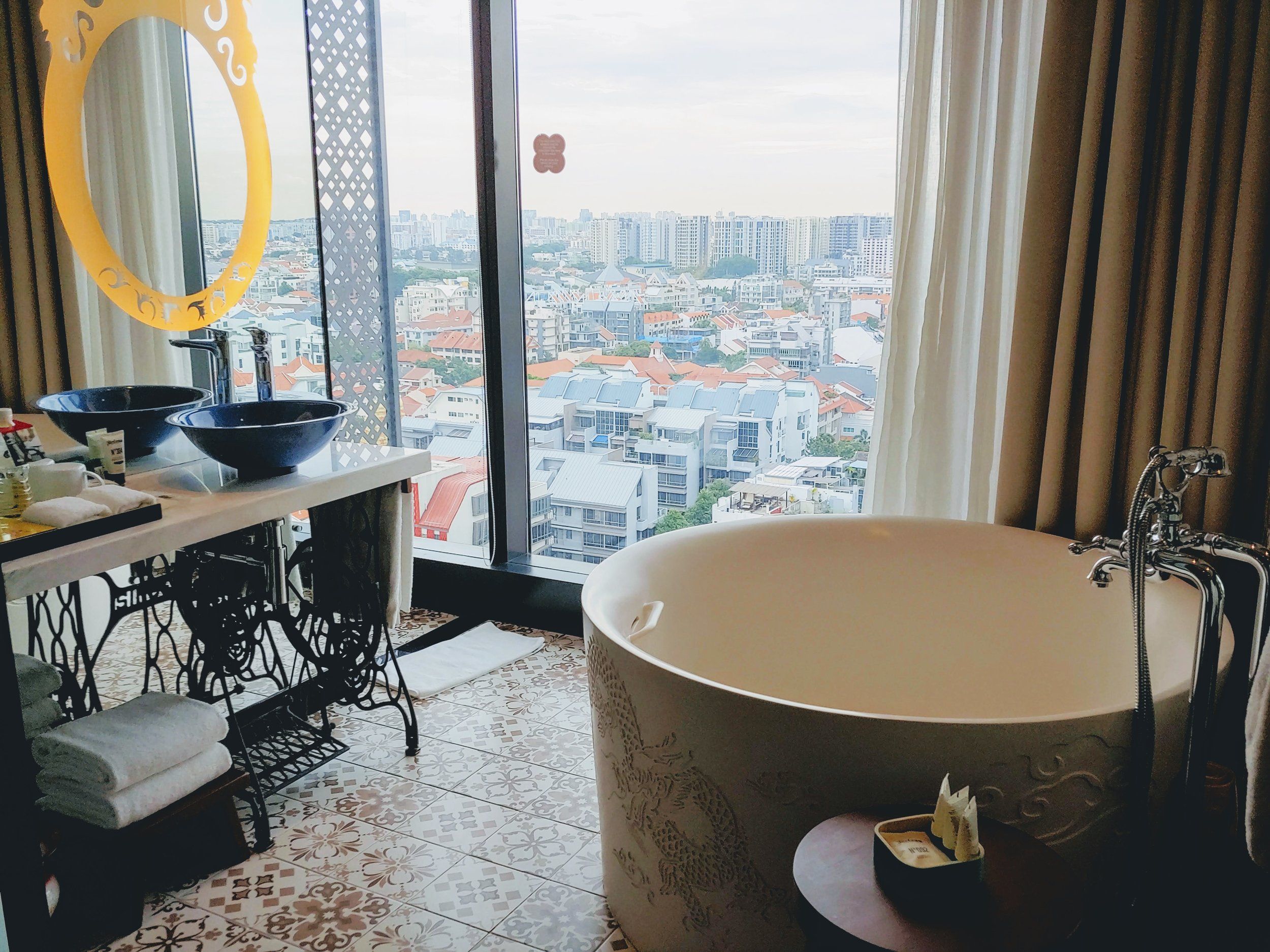 I love the bathtub and the details of the vanity area, worth the extra top up to upgrade and treat myself to one of the best staycation ever. I can just stay here all day all night long and will worth the pruney-ness of my skin. Ok maybe not LOL. But you get what I mean haha