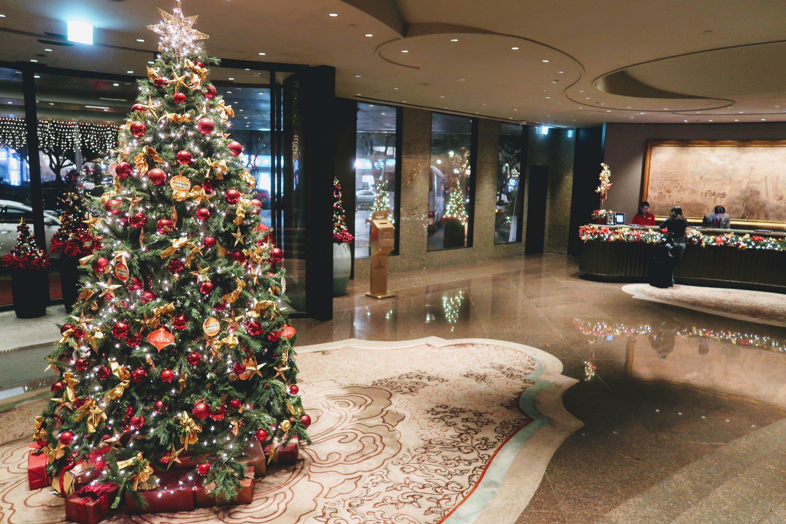 shangri-la-taipei-lobby-reception