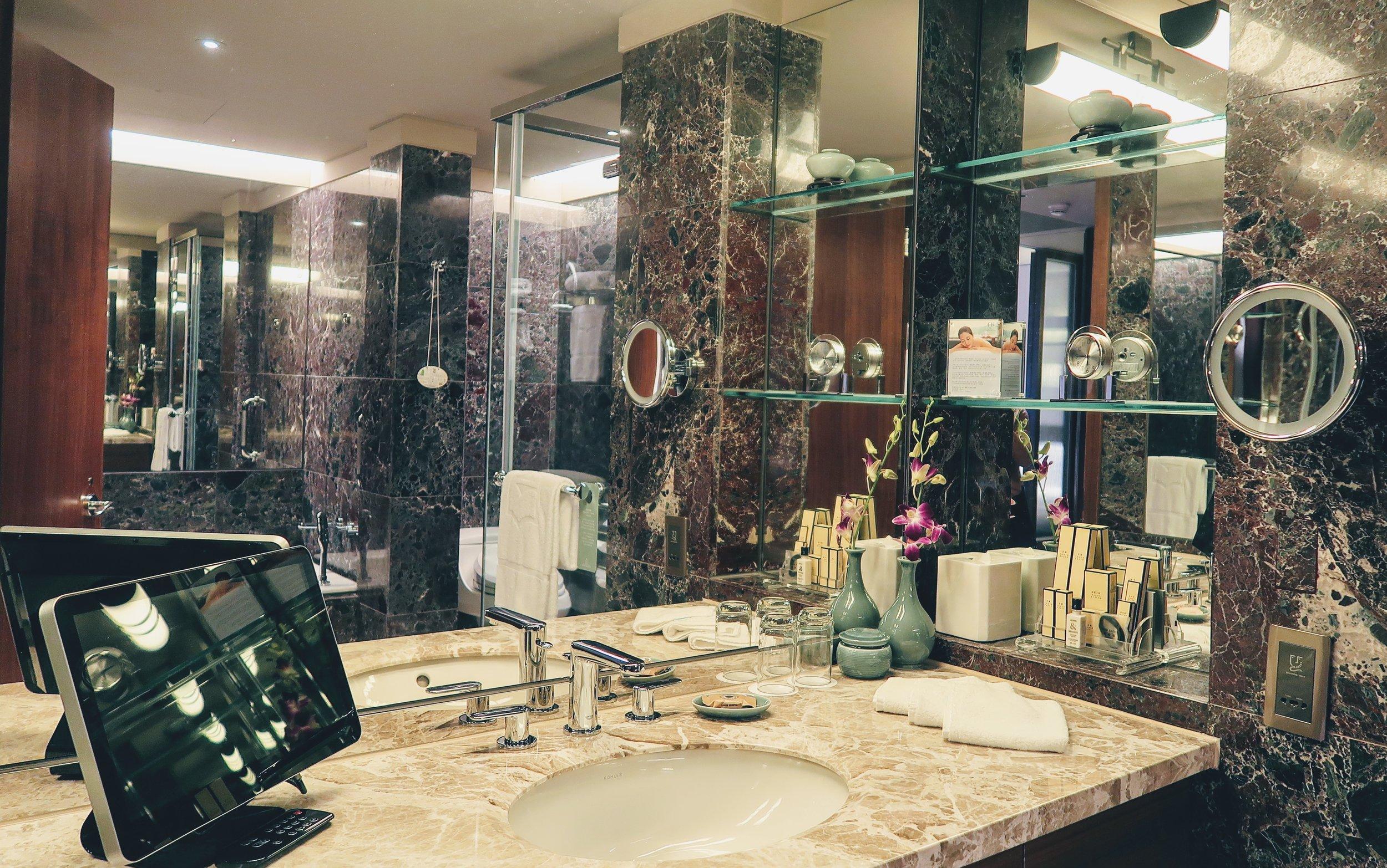 shangri-la-taipei-bathroom