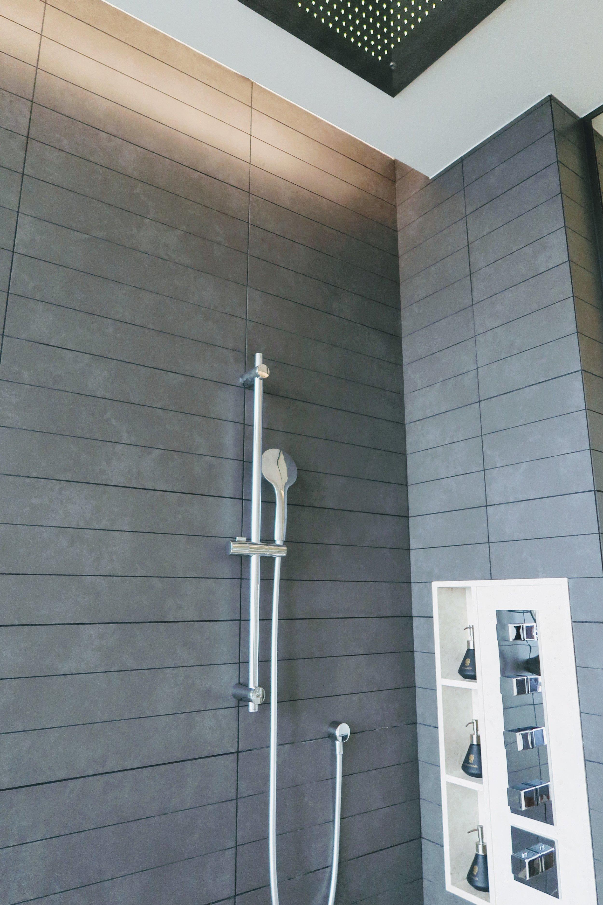 banyan-tree-kuala-lumpur-shower