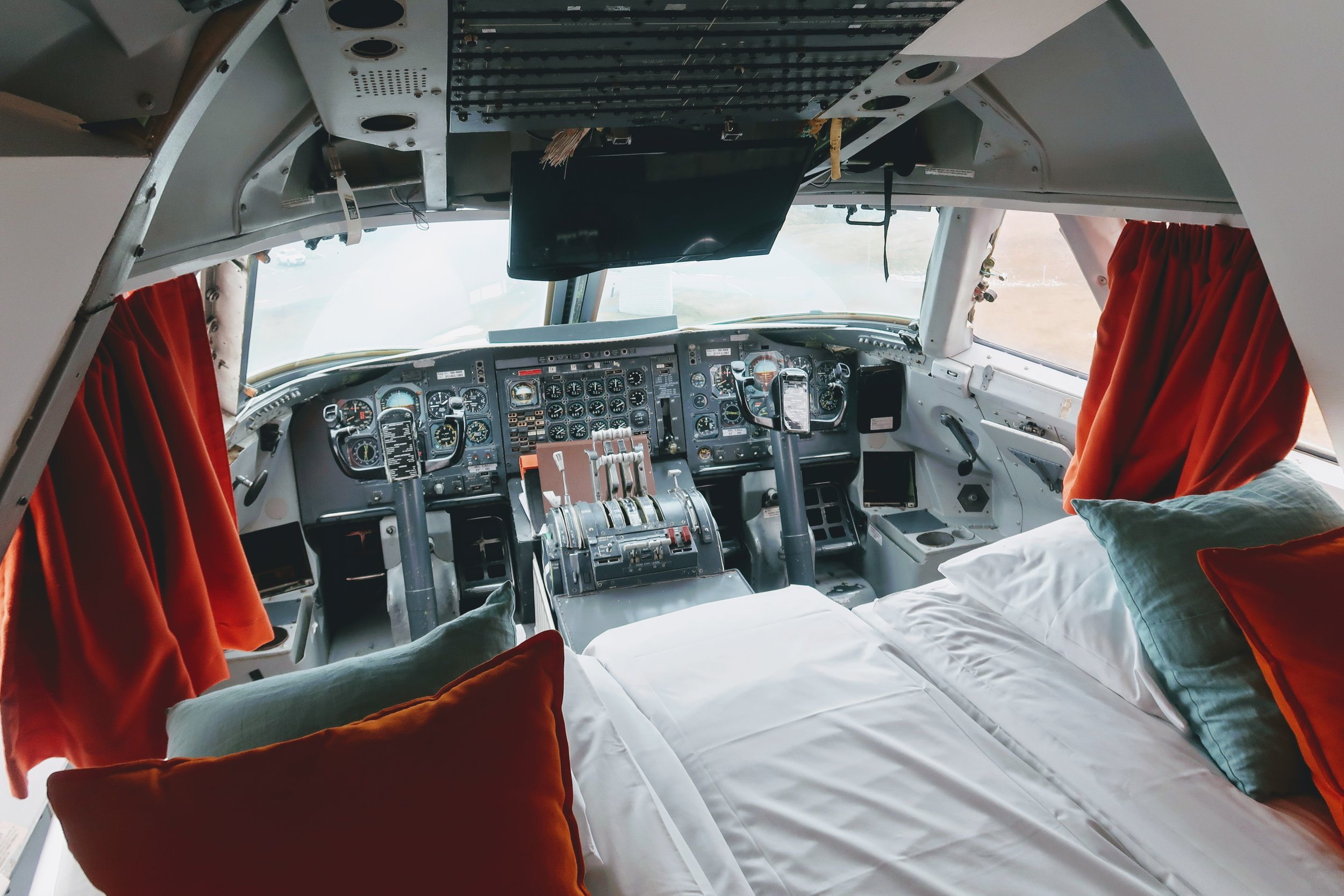 jumbo-stay-arlanda-cockpit-ensuite