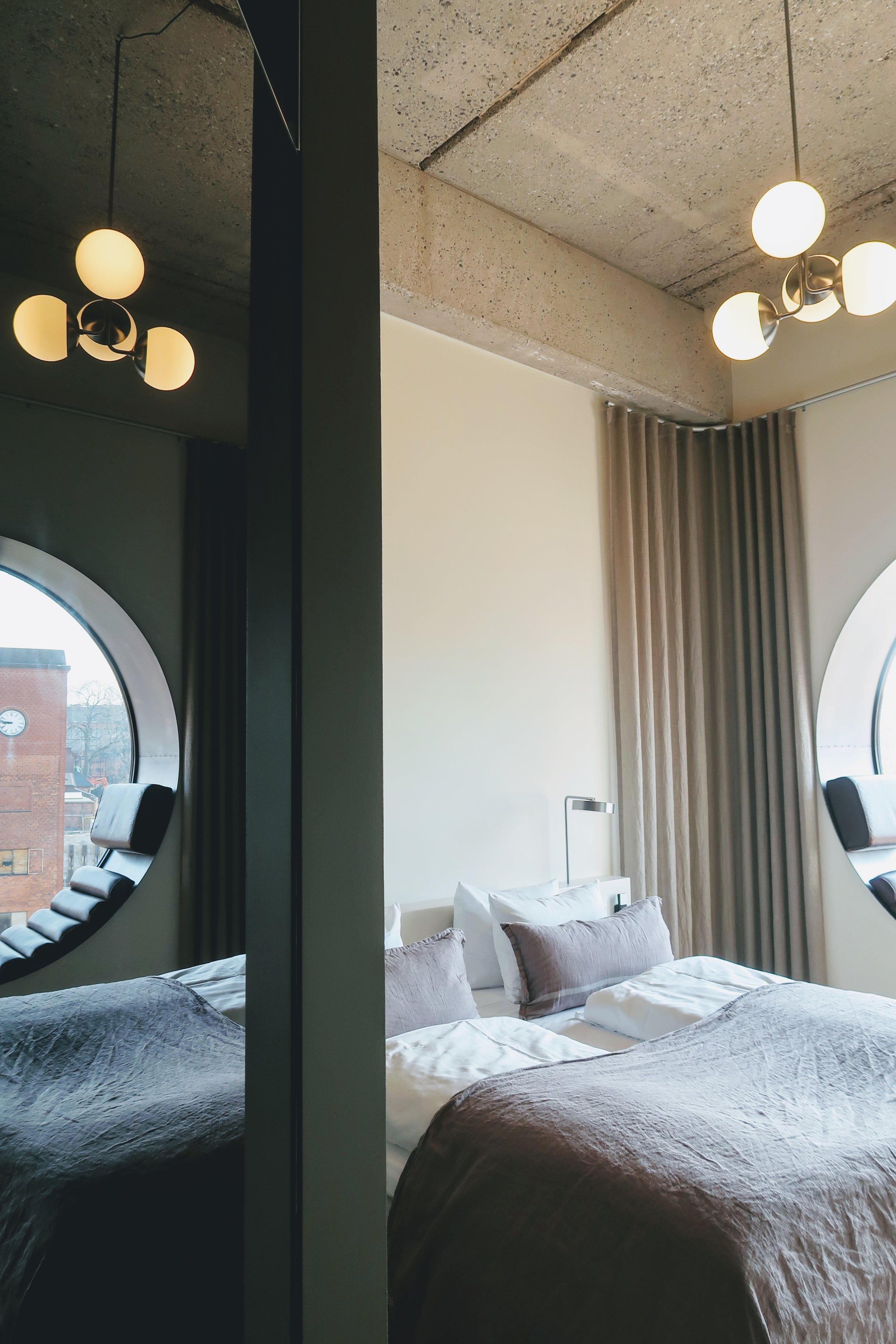 hotel-ottilia-guest-room-mirror