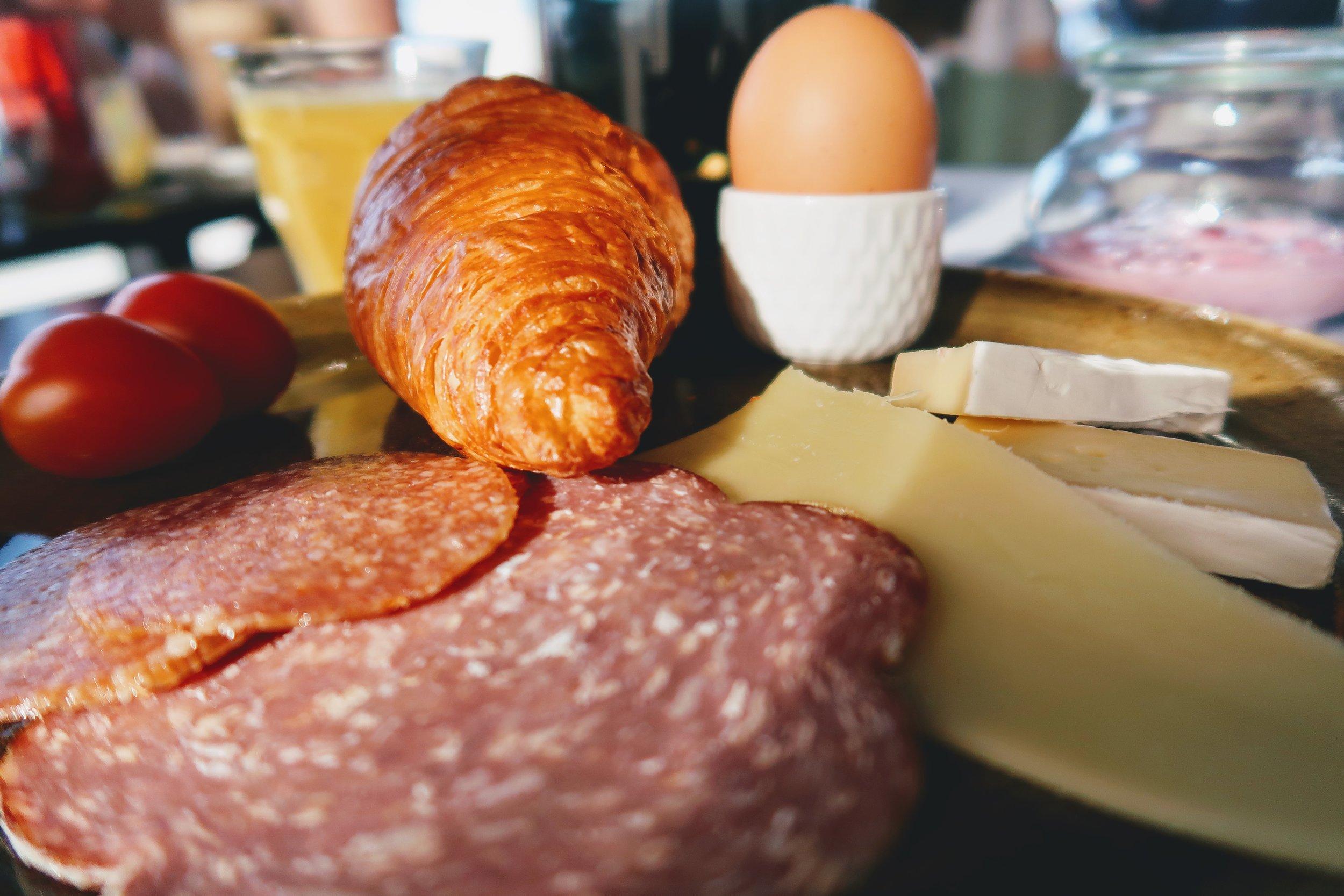 hotel-ottilia-continental-breakfast