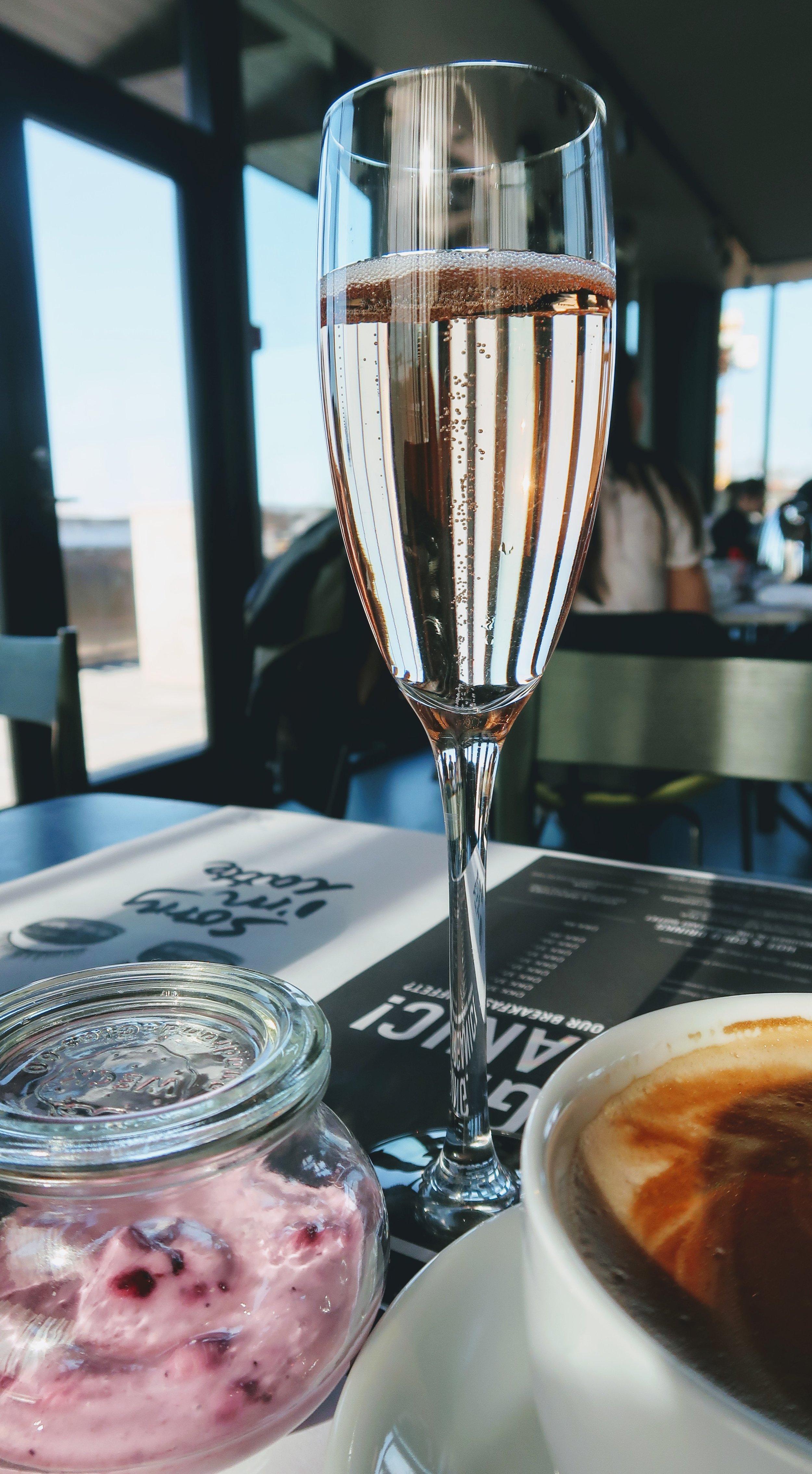 hotel-ottilia-champagne-breakfast