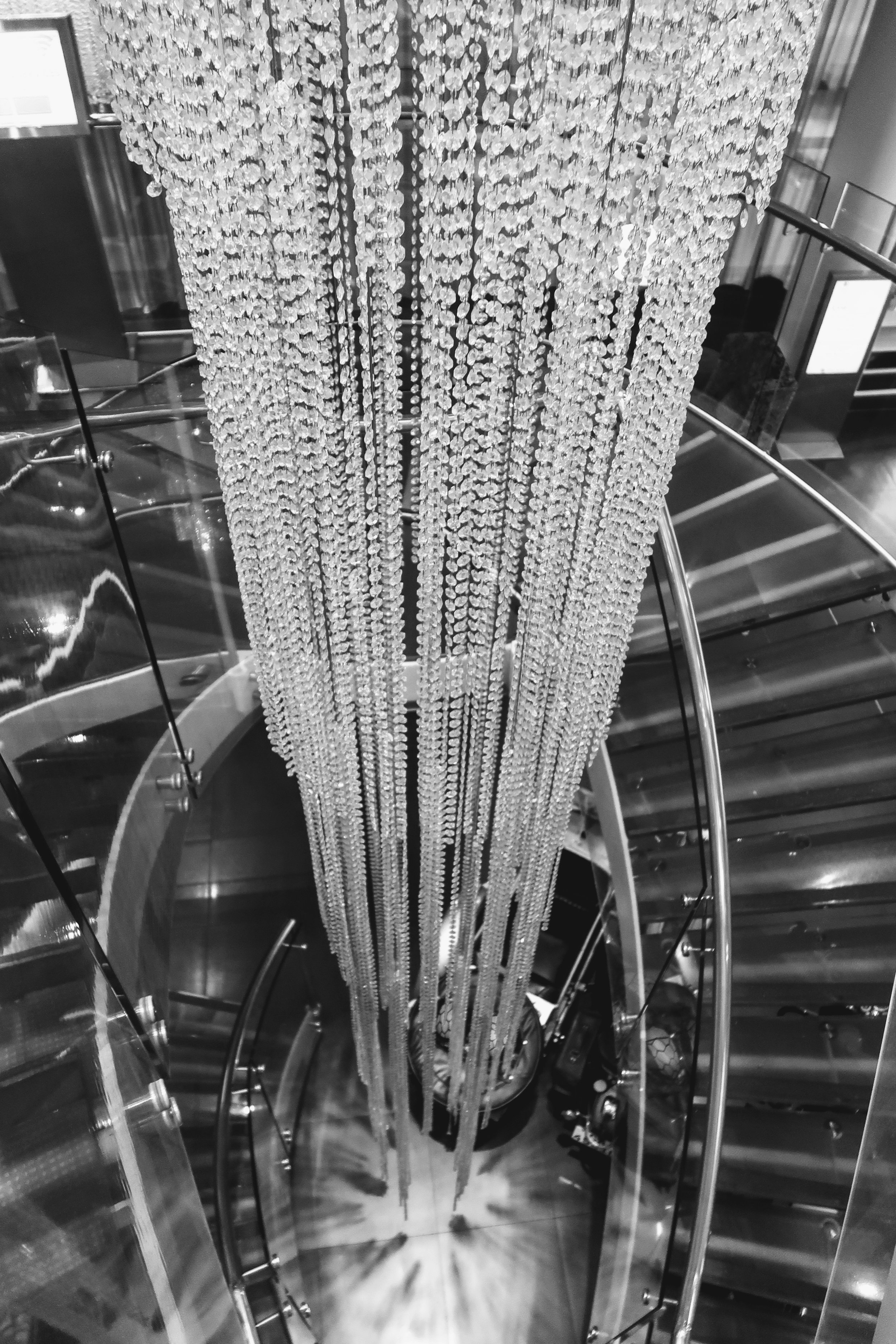 Impressive chandelier to give off the WOW factor!