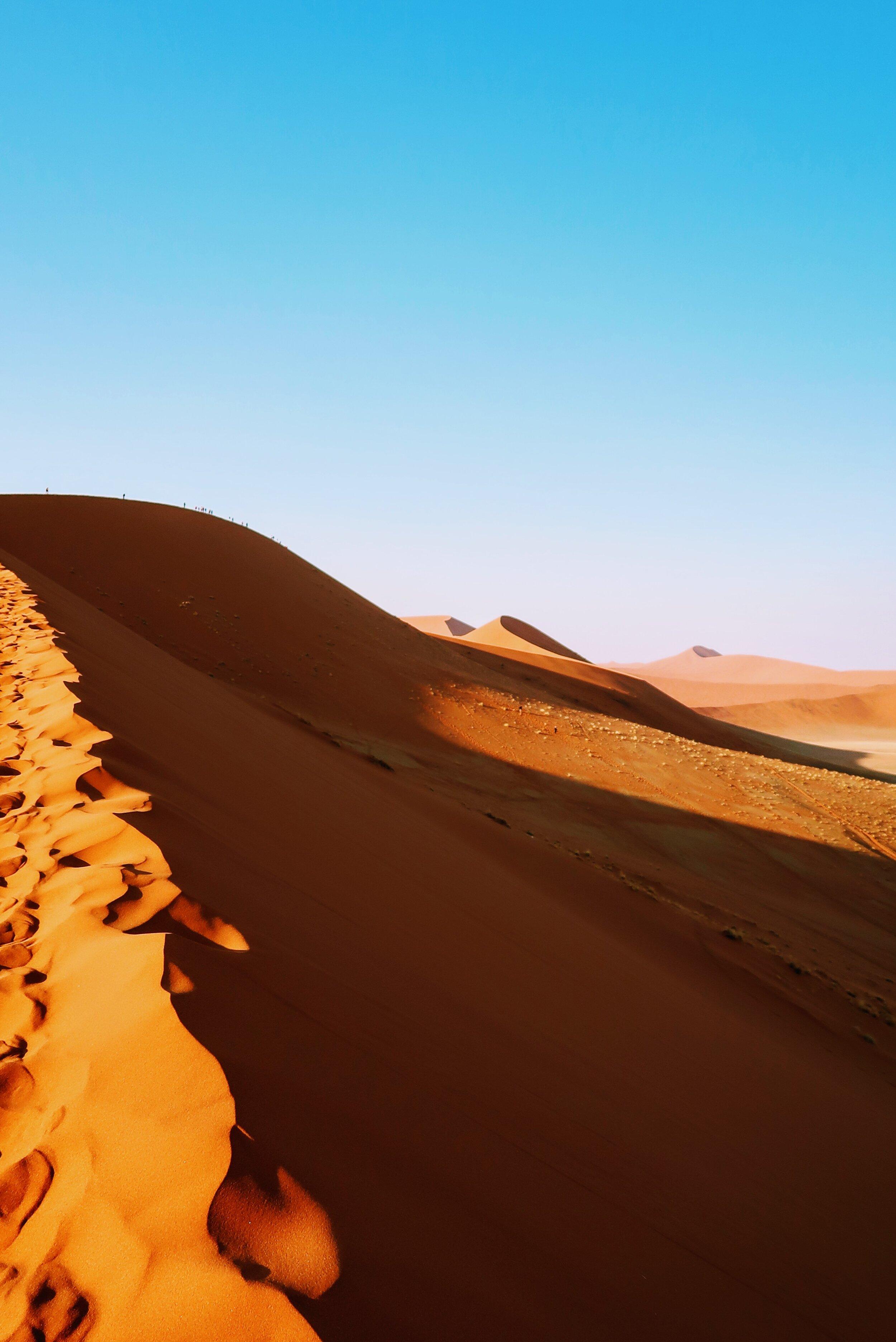 top-of-dune-45-namibia-sossusvlei