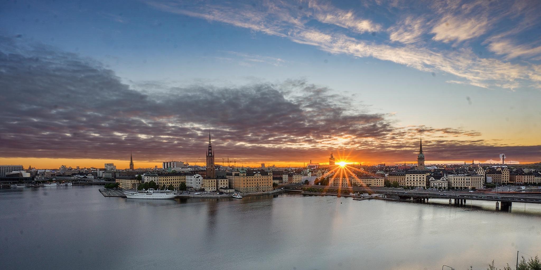 Stockholm sunrise welcomes VJ's return.