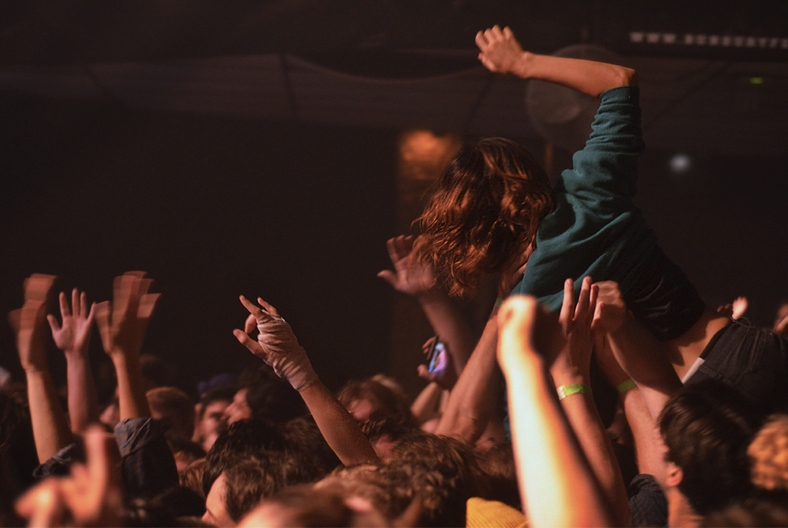 crowd 01.jpg