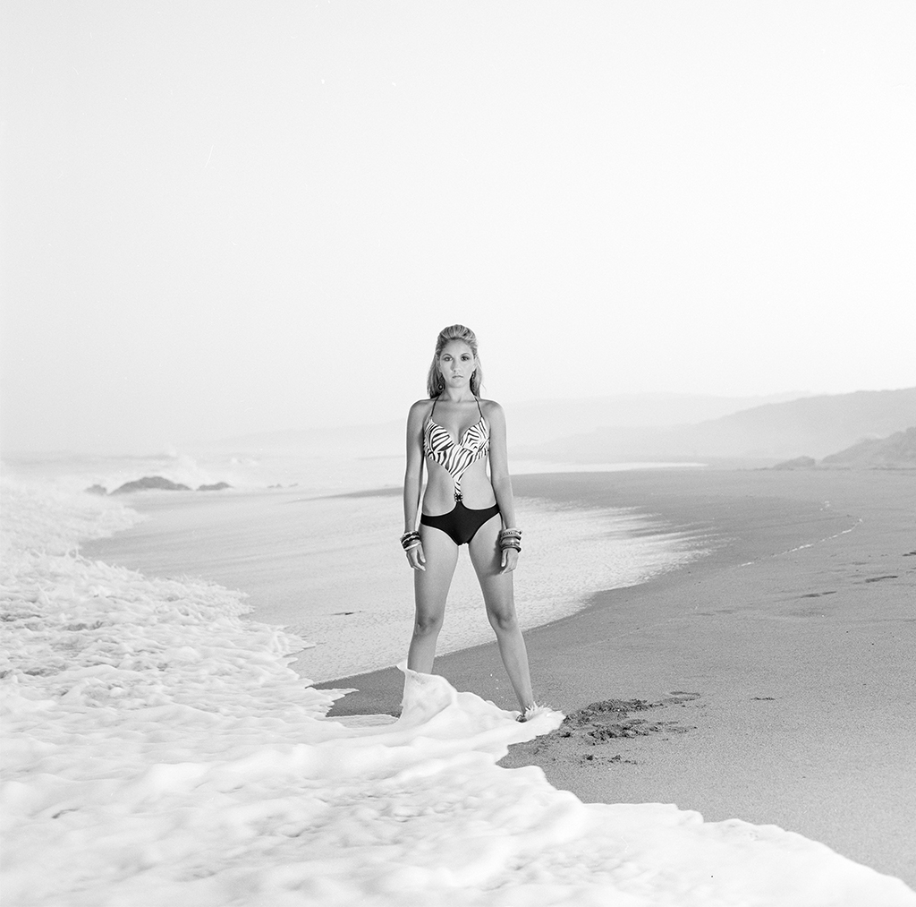 beach_girl_retro.jpg
