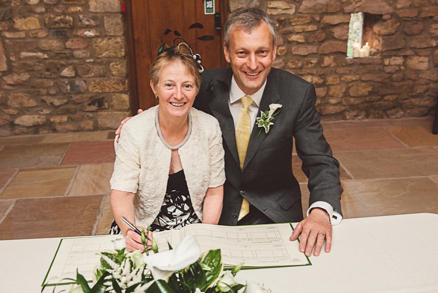 Brownsholme-Hall-Tithebarn-Wedding-Photographer-032.jpg
