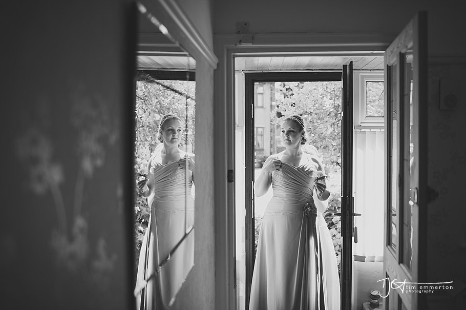 Farington-Lodge-Wedding-Photographer-027.jpg