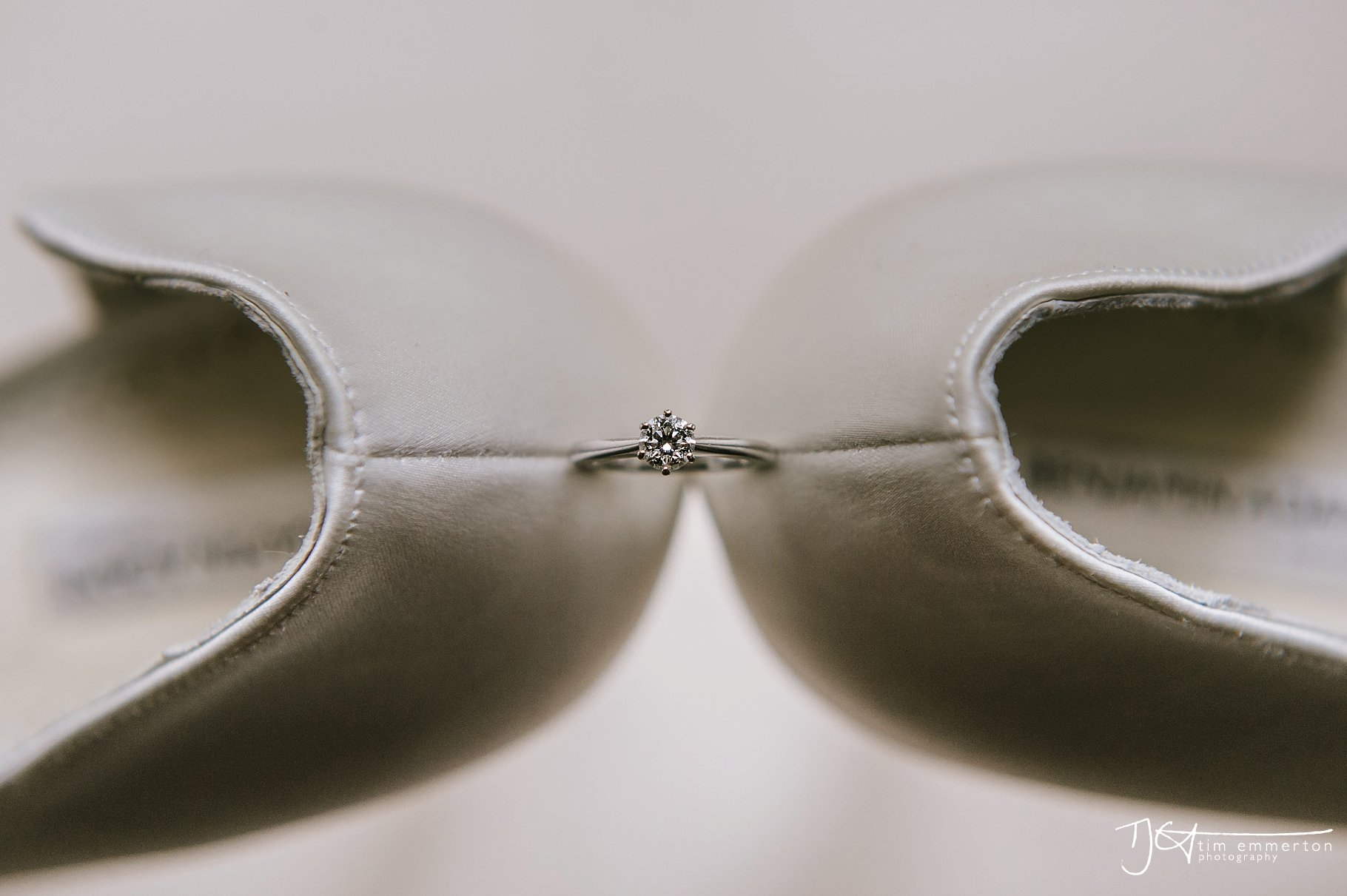 Eaves-Hall-Wedding-Photographer-006.jpg