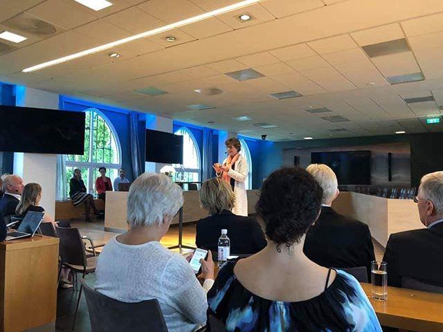 Stolt av å være en del av Globale Bærum's 1 års feiring. Vi gleder oss over deres innsats for  integrering og mangfold og Bærum International Hub er en aktiv bidragsyter. 😎 ° ° ° ° #bæruminternationalhub #oslo #akershus #sandvika #norway #coworkingspace #coworking #coworkinglife #startup #startupbusiness #startupincubator #hotdesk #internationalhub #investor #networking #business #bih #virtualoffice #aboutus #customercare #mangfolderlønnsomt #samarbeidsdrevetinnovasjon #inkludering #sosialbærekraft #sosialtentreprenørskap #Bærumrådhus
