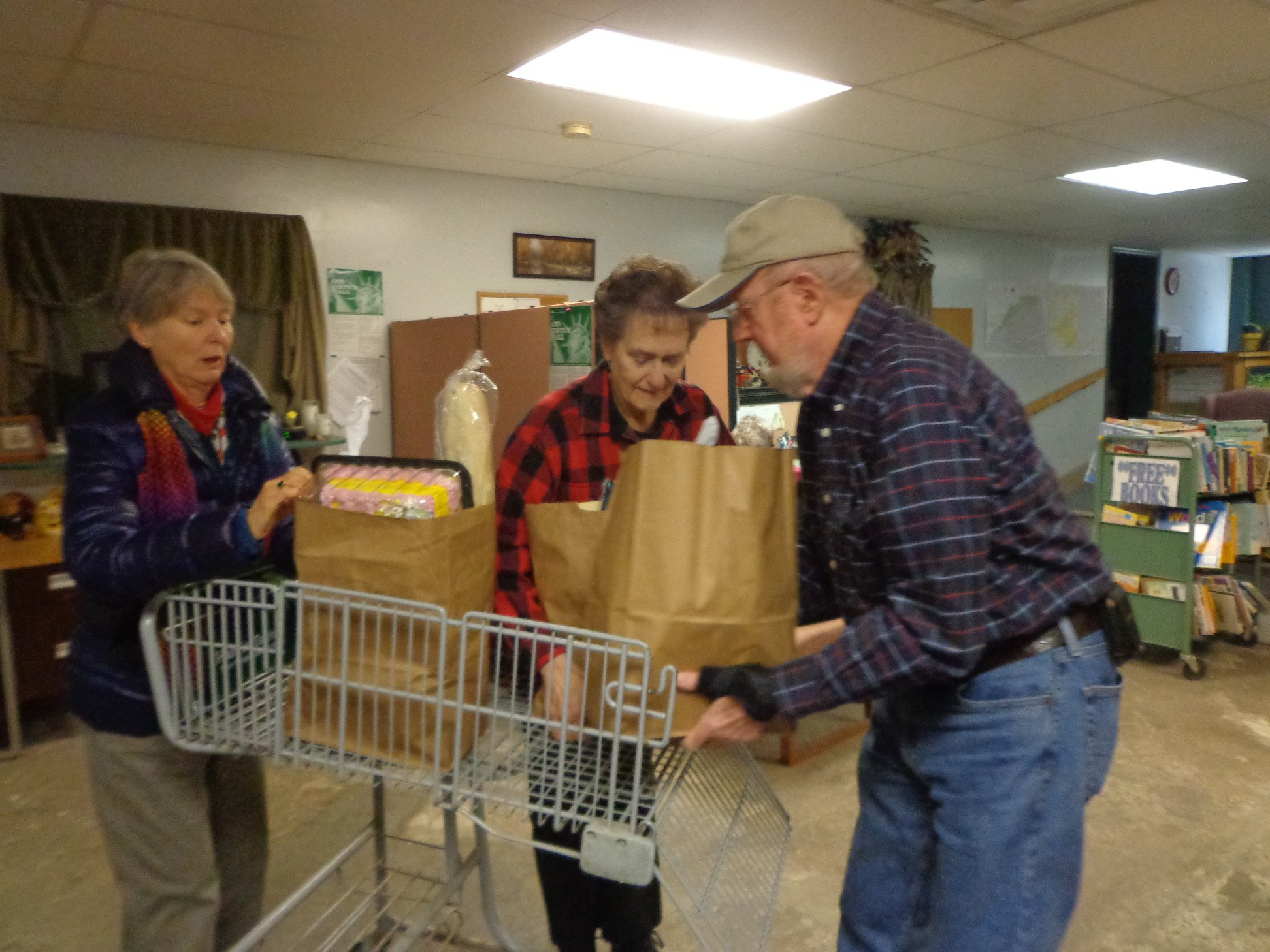 Bonsack Volunteers help at the Gate City food pantry.