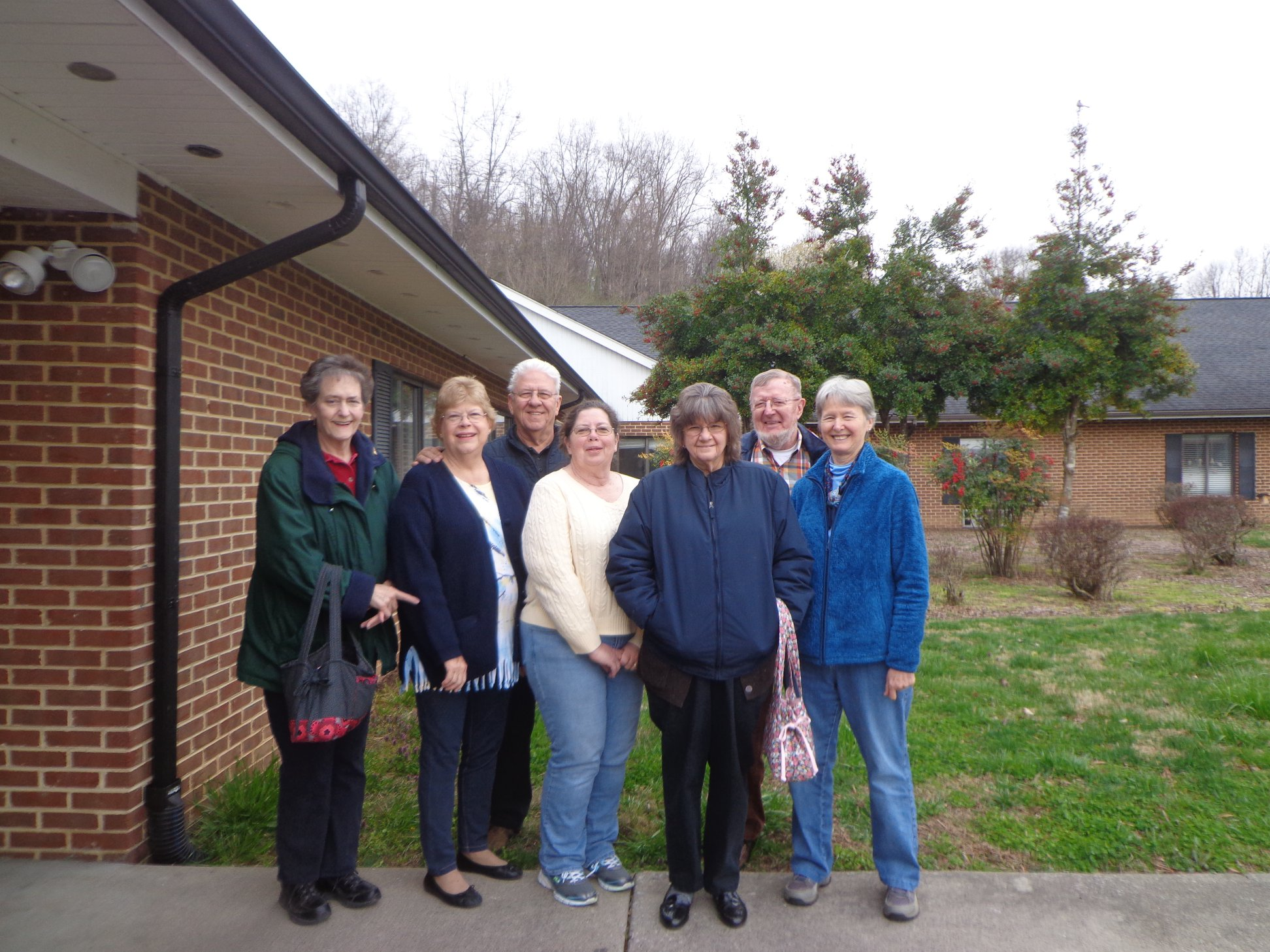 Bonsack Volunteers Larry & Phyllis Perdue and Larry & Lynda Brumfield, along with other volunteers from the Roanoke Valley.