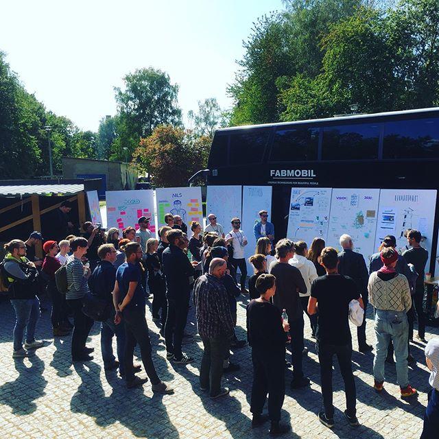 """Wahnsinn! 2,5 Tage geballte Energie auf dem Landsichten Innovationacamp in Görlitz. Das Fabmobil hat ordentlich produziert für die Präsentationen und wir sind nachhaltig beeindruckt von der Qualität der Menschen, den Ideen und Ergebnissen, Musik, Orga und allem drumherum. Danke an #theconstitute, das wir einen """"Case"""" beisteuern dürften! . . #landsichten #kühlhausgörlitz #görlitz #fabmobil #ruralfutures #kreativelausitz #kreativessachsen #zukunftswerkstatt #zukunftlausitz #kreativorte #zukunftsorte #ruralisthenewurban #landwaerts #aufsland #kompetenzzentrumkulturundkreativwirtschaft #kkkw #mobilefablab #goeast #kkwstattakw #vision2030"""