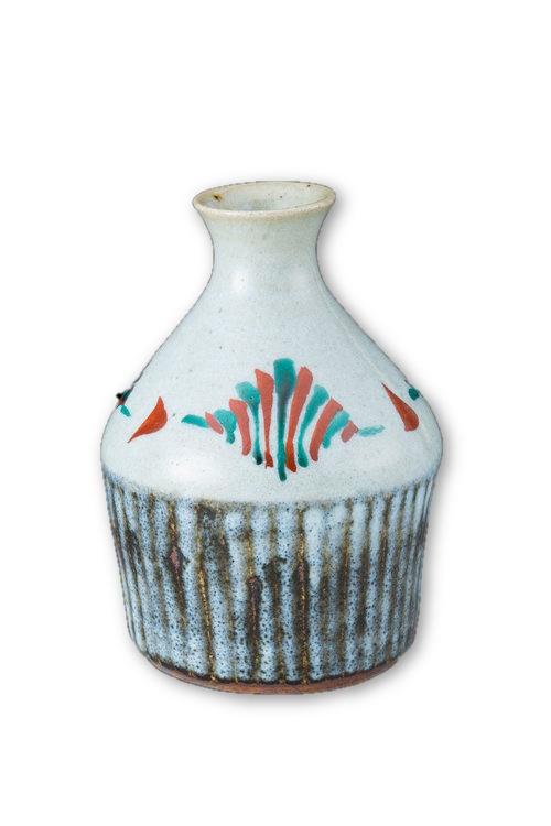 white-sake-flask-short-hamada-tomoo.jpeg