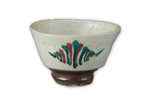 sake-cup-white-brown-foot-hamada-tomoo.jpeg
