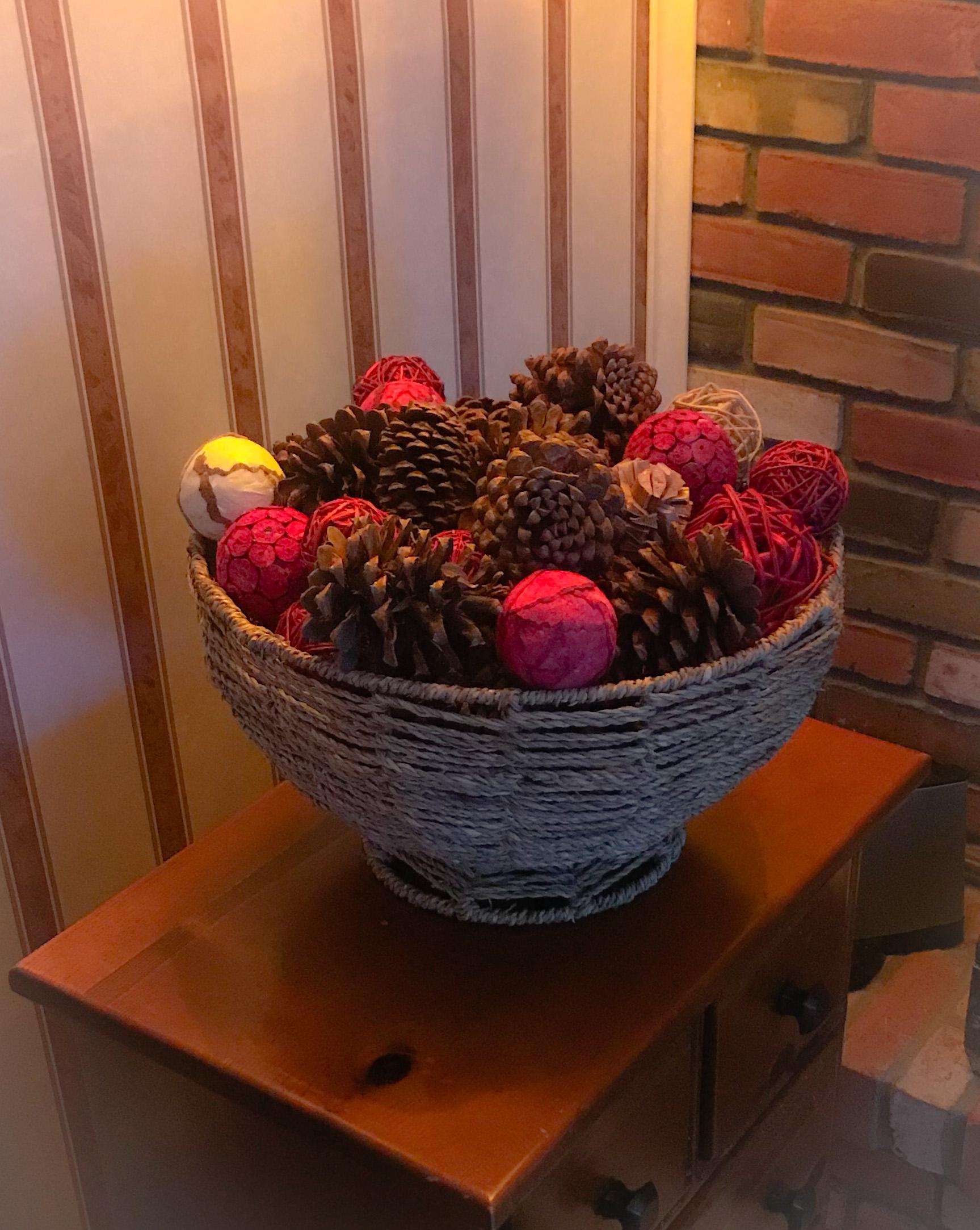 pinecone basket.jpg