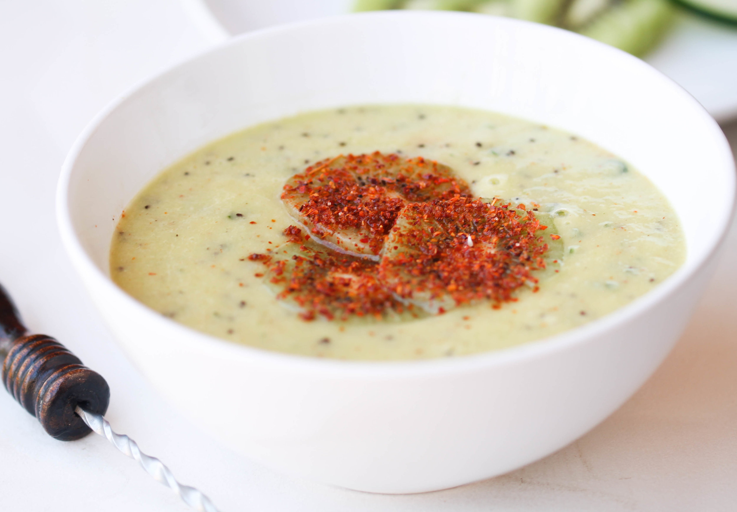 Chilled Kiwi Cucumber Soup : easy, refreshing naturally vegan, gluten-free soup that is ready in 30 minutes or less!