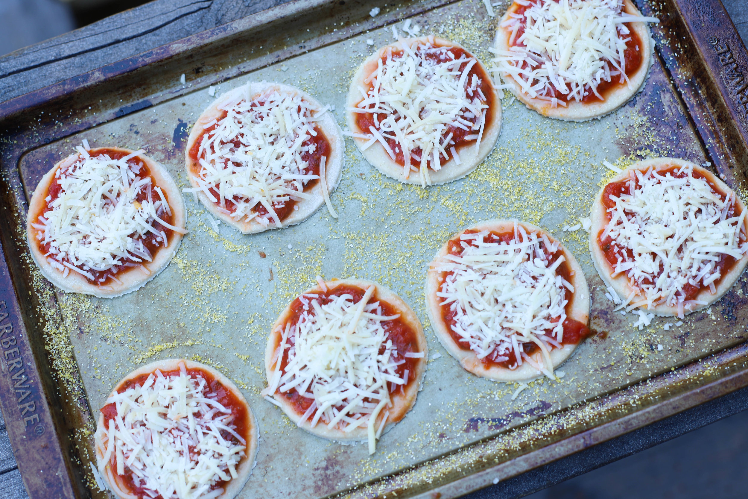 Spider Pizza Bites are simple Halloween-themed appetizers great for both adults and kids. Requires very little ingredients & quick!