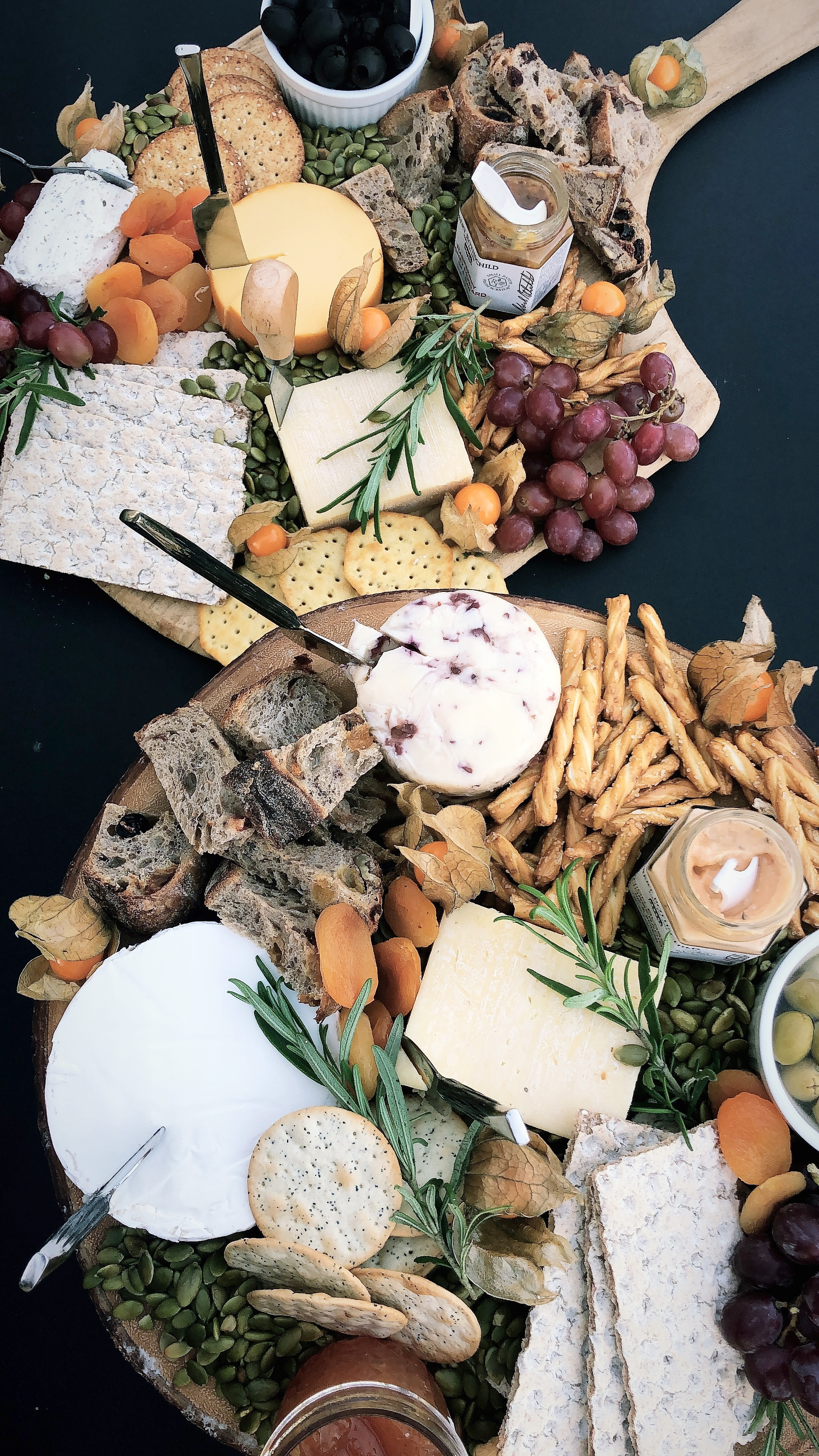 How To Build A Holiday Cheese Board (2).jpg
